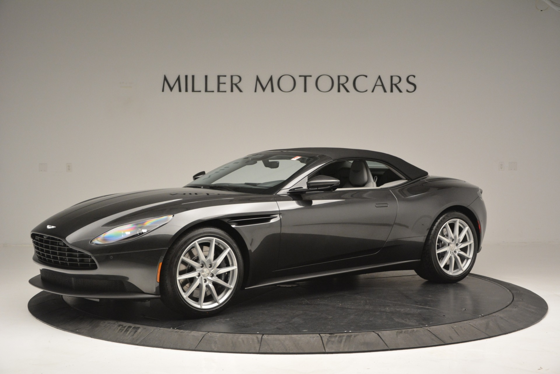 New 2019 Aston Martin DB11 V8 Convertible For Sale In Greenwich, CT 2902_p14