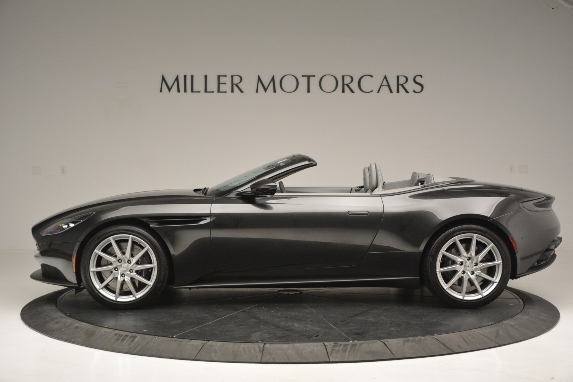New 2019 Aston Martin DB11 V8 Convertible For Sale In Greenwich, CT 2902_p3