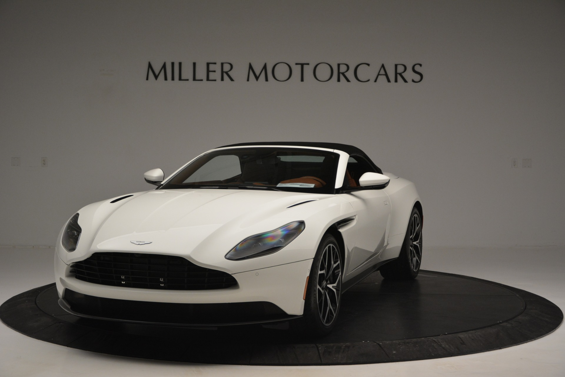 New 2019 Aston Martin DB11 V8 Convertible For Sale In Greenwich, CT 2903_p13