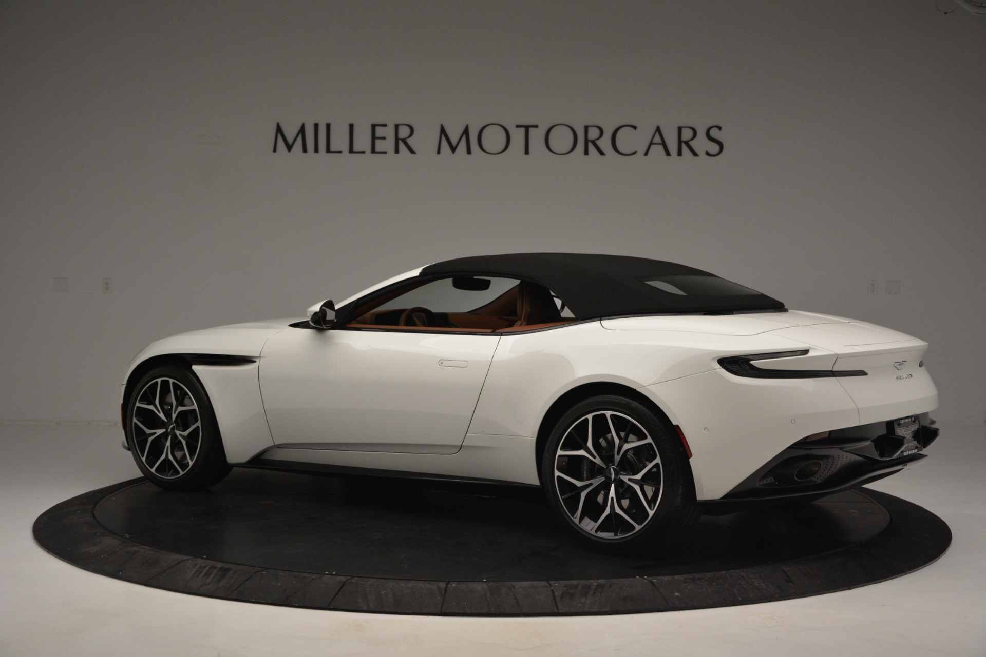 Used 2019 Aston Martin DB11 V8 Convertible For Sale In Greenwich, CT 2903_p16
