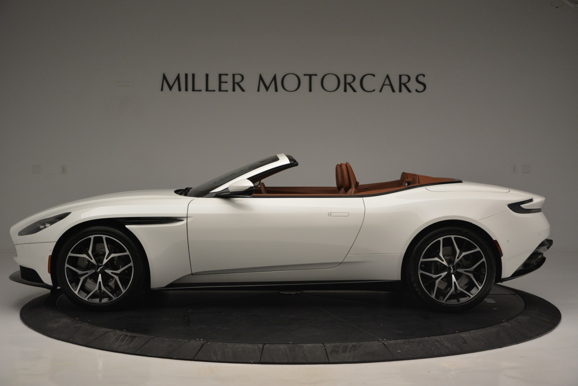 Used 2019 Aston Martin DB11 V8 Convertible For Sale In Greenwich, CT 2903_p3