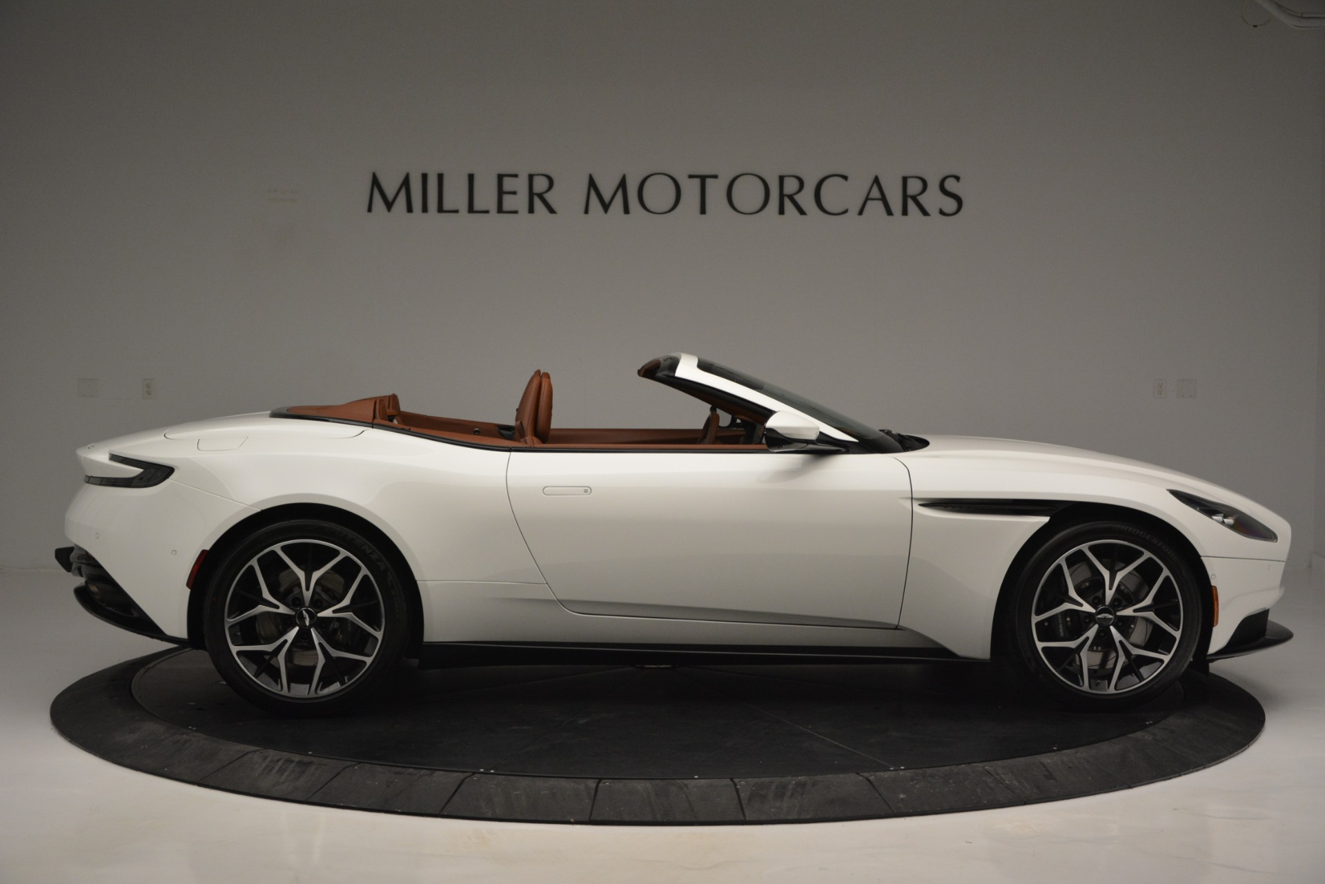 Used 2019 Aston Martin DB11 V8 Convertible For Sale In Greenwich, CT 2903_p9