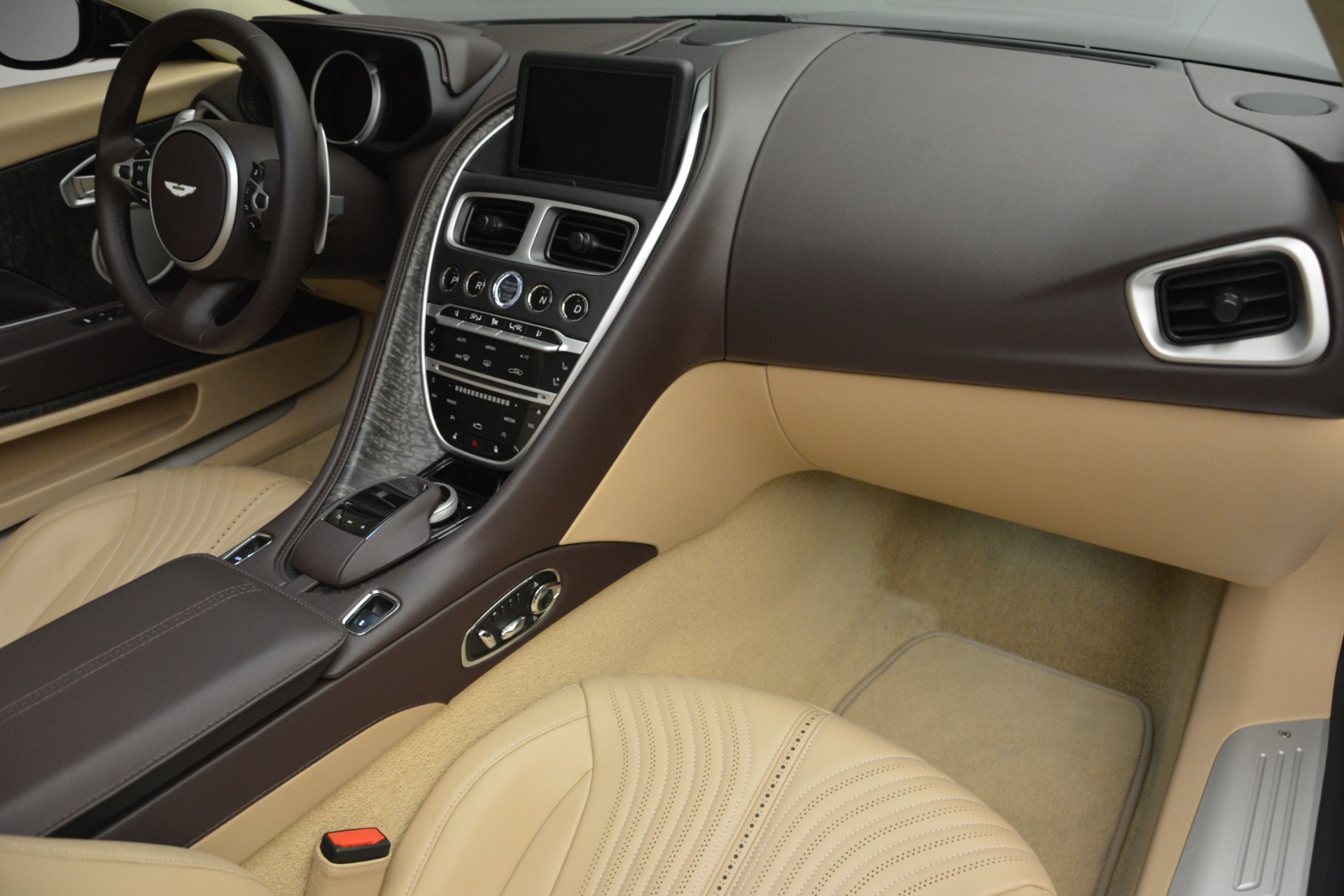 New 2019 Aston Martin DB11 V8 For Sale In Greenwich, CT 2905_p33