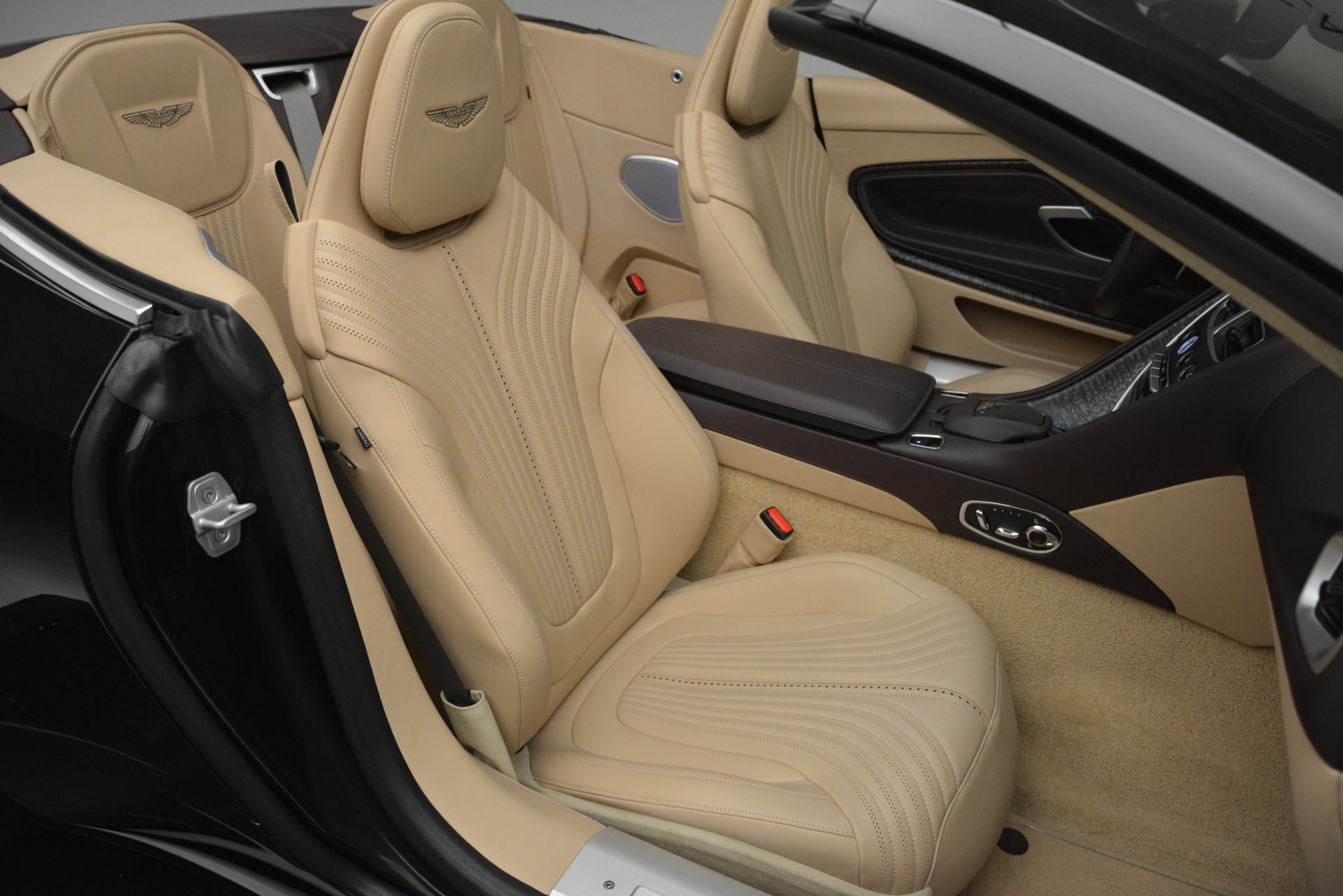 New 2019 Aston Martin DB11 V8 Convertible For Sale In Greenwich, CT 2905_p34