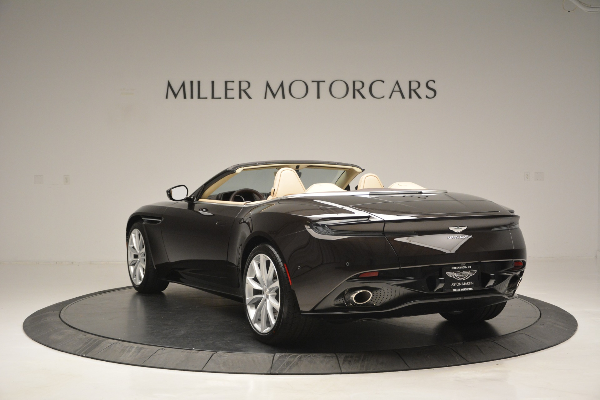New 2019 Aston Martin DB11 V8 Convertible For Sale In Greenwich, CT 2905_p5