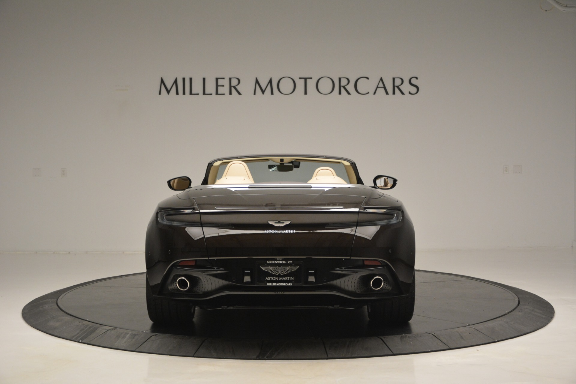 New 2019 Aston Martin DB11 V8 Convertible For Sale In Greenwich, CT 2905_p6