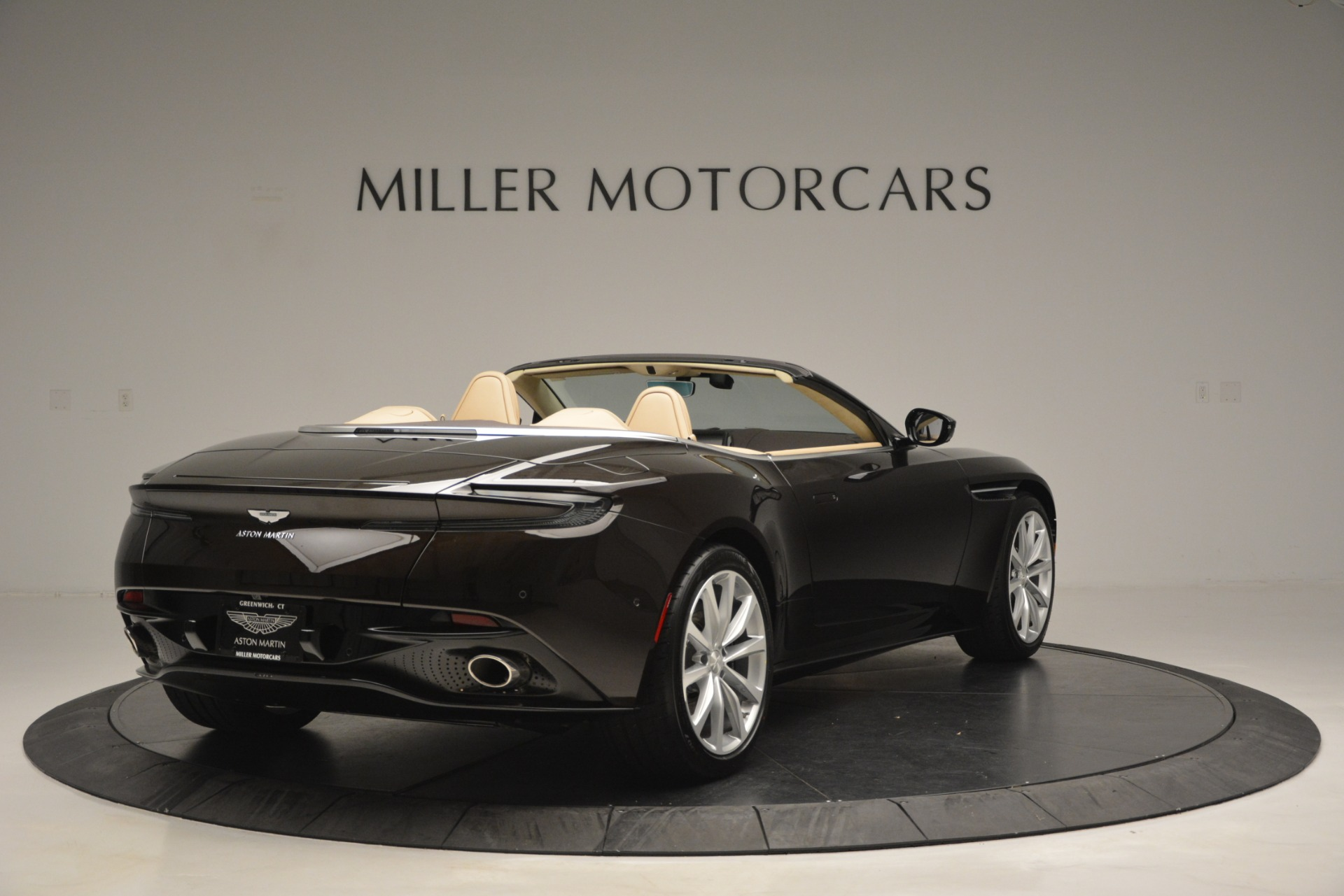 New 2019 Aston Martin DB11 V8 Convertible For Sale In Greenwich, CT 2905_p7