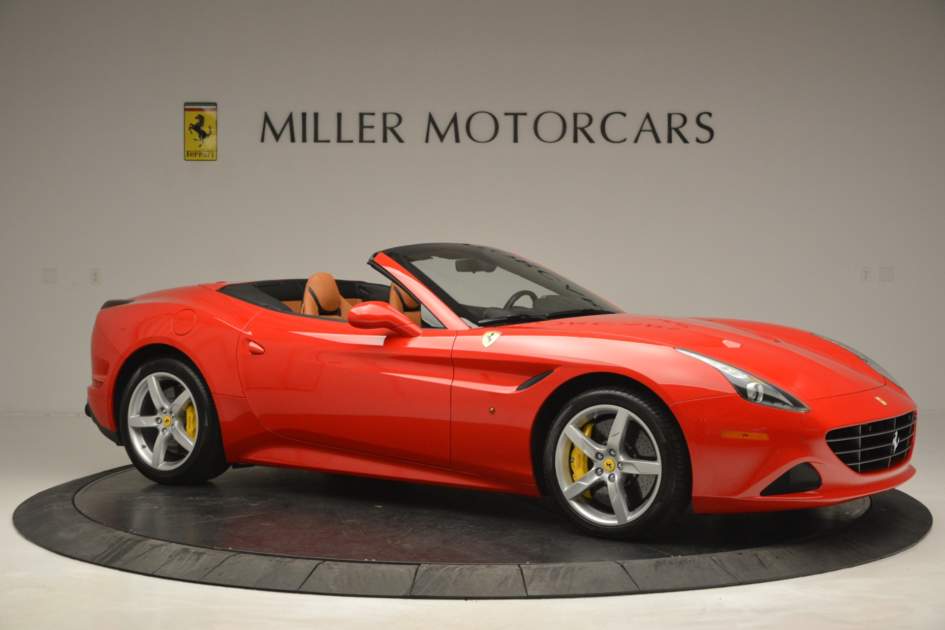Used 2016 Ferrari California T Handling Speciale For Sale In Greenwich, CT 2921_p10