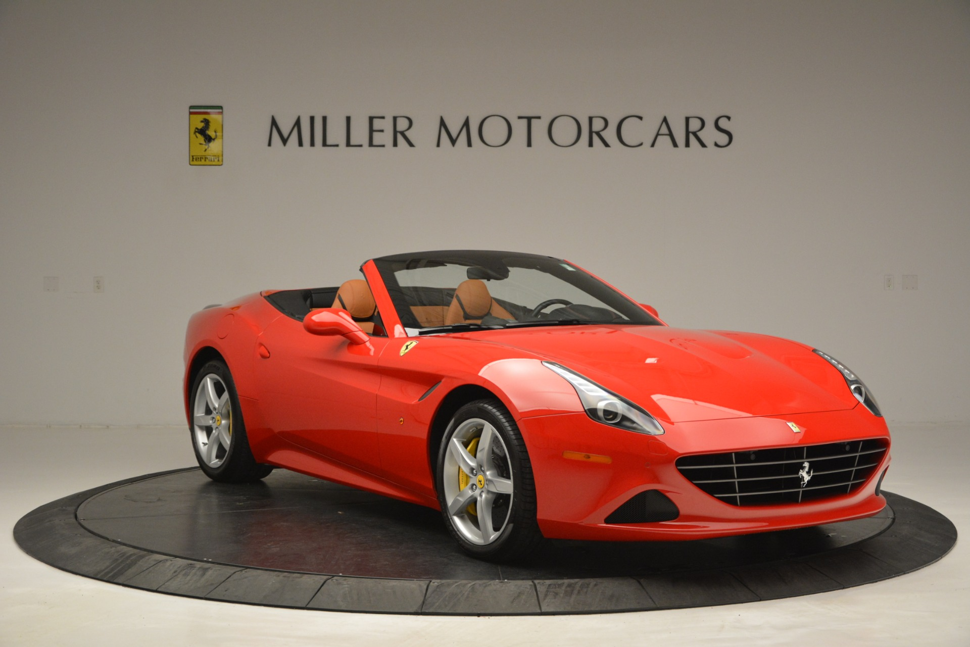 Used 2016 Ferrari California T Handling Speciale For Sale In Greenwich, CT 2921_p11