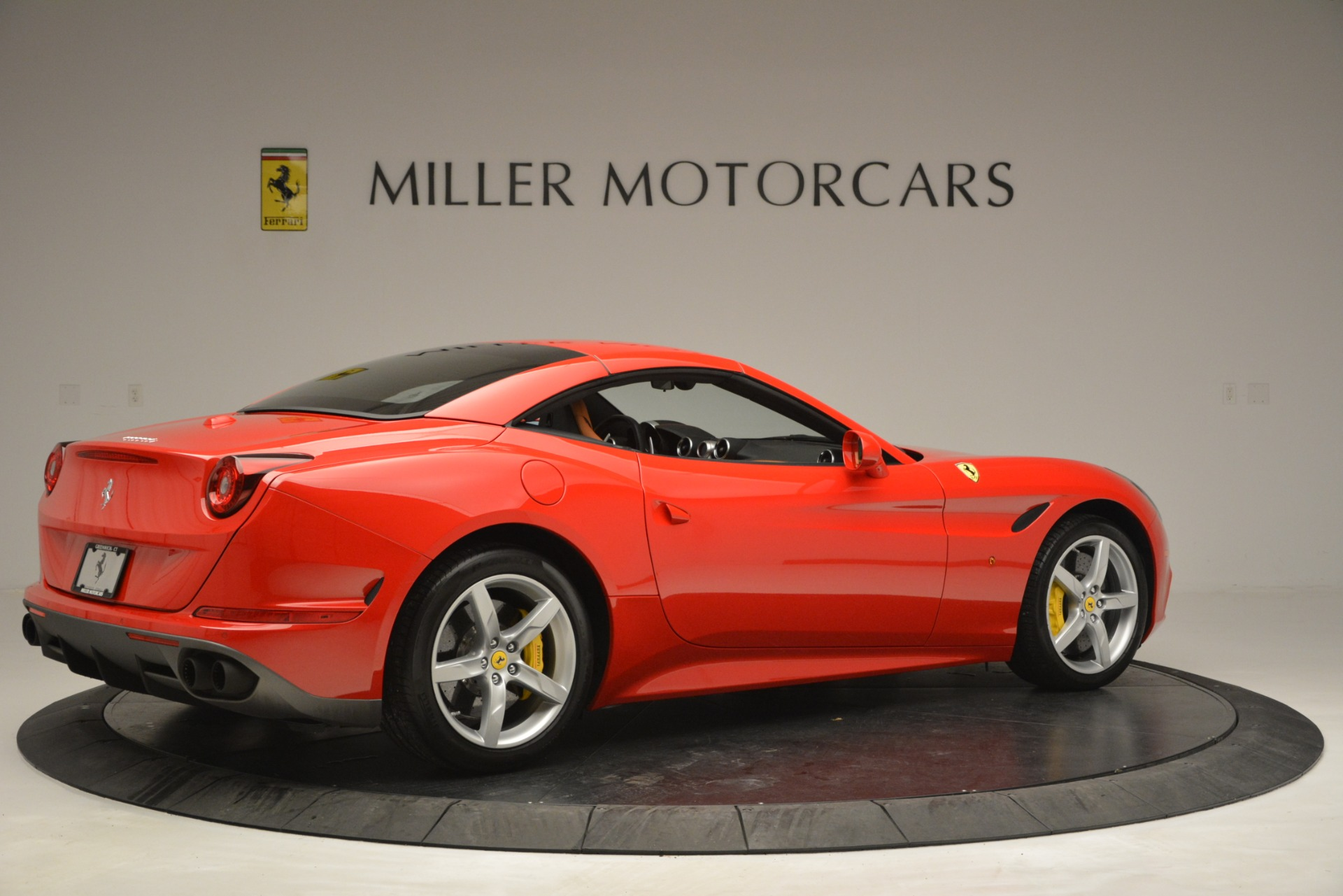 Used 2016 Ferrari California T Handling Speciale For Sale In Greenwich, CT 2921_p19