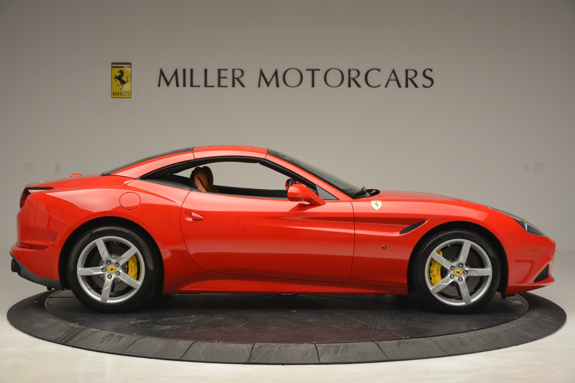 Used 2016 Ferrari California T Handling Speciale For Sale In Greenwich, CT 2921_p20