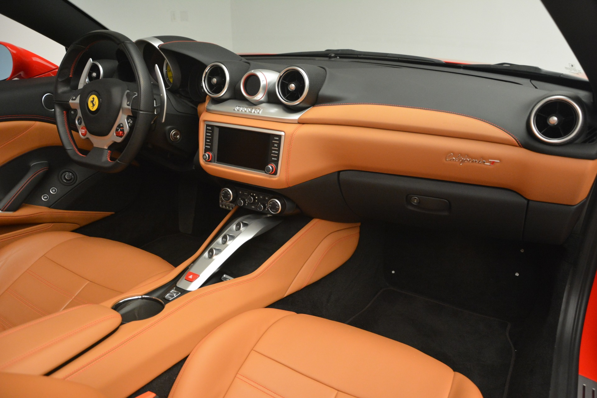 Used 2016 Ferrari California T Handling Speciale For Sale In Greenwich, CT 2921_p29