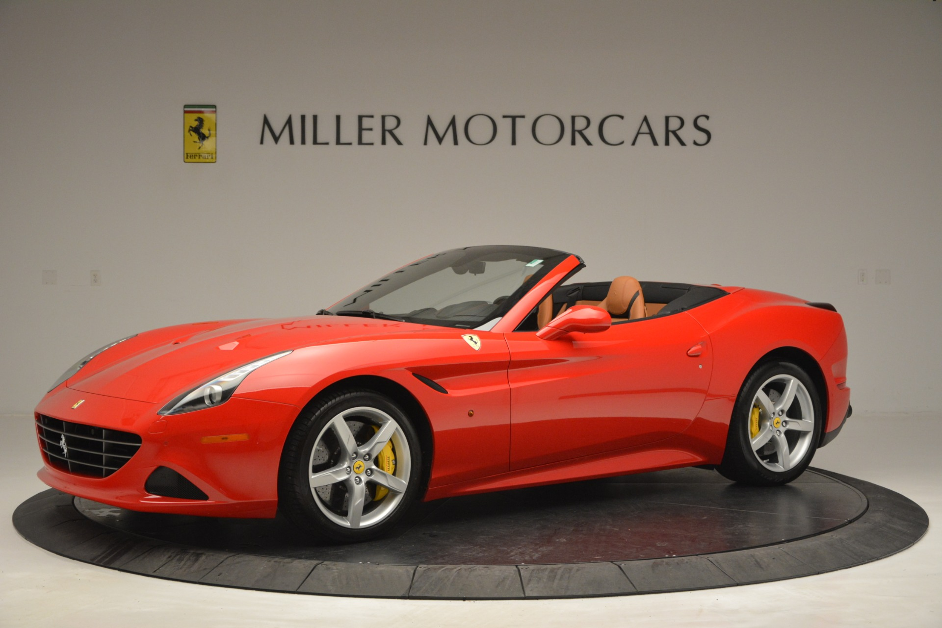 Used 2016 Ferrari California T Handling Speciale For Sale In Greenwich, CT 2921_p2