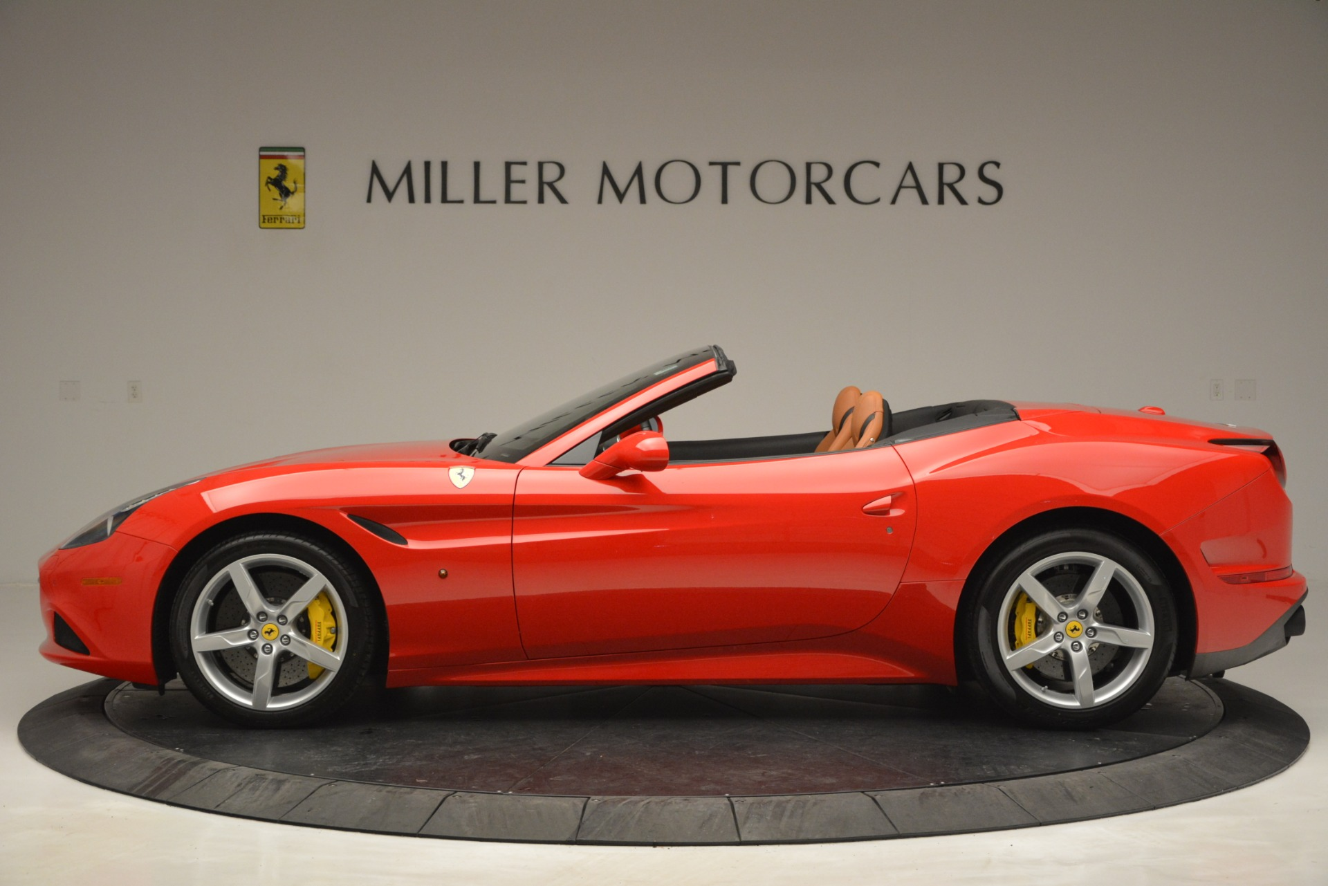 Used 2016 Ferrari California T Handling Speciale For Sale In Greenwich, CT 2921_p3