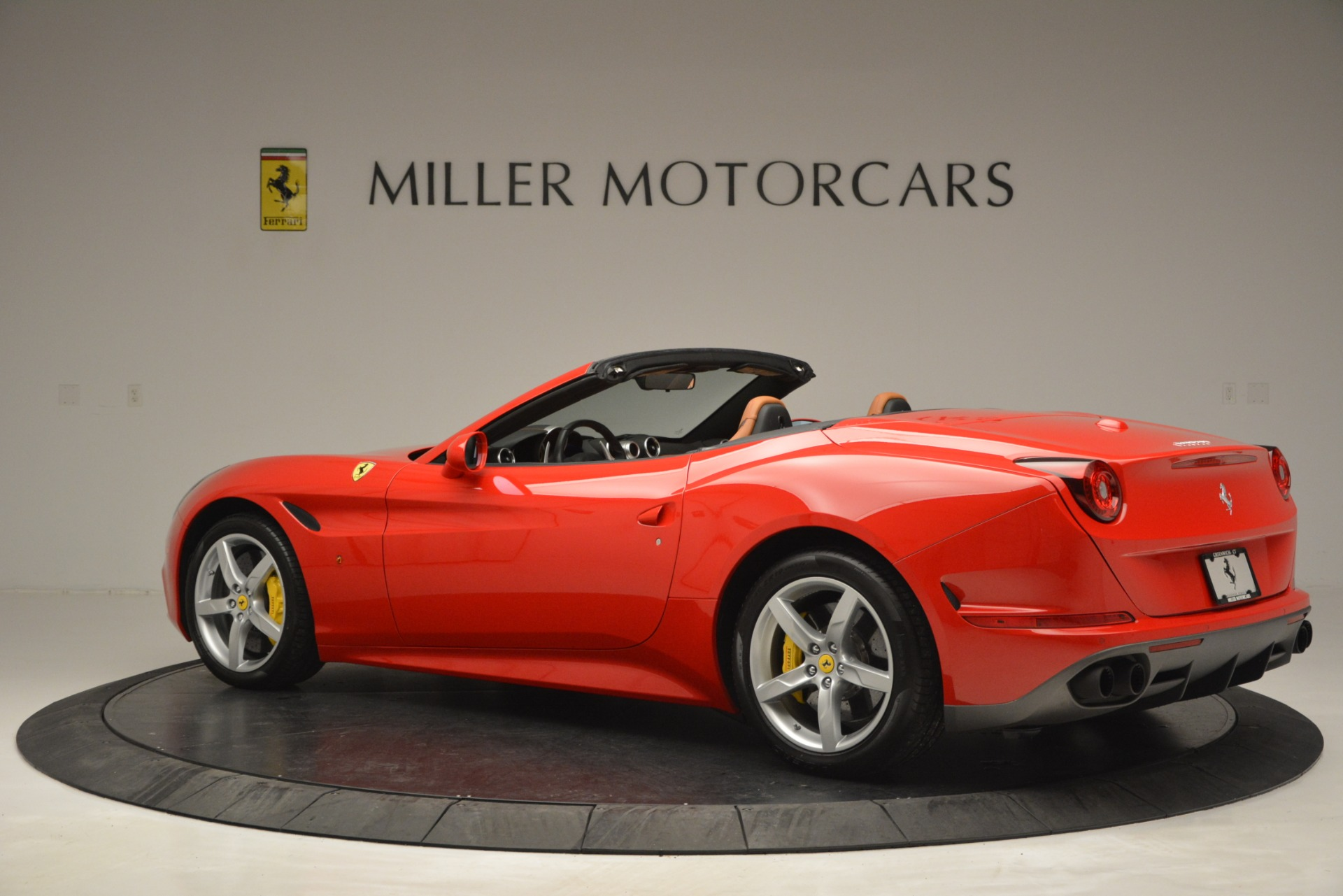 Used 2016 Ferrari California T Handling Speciale For Sale In Greenwich, CT 2921_p4