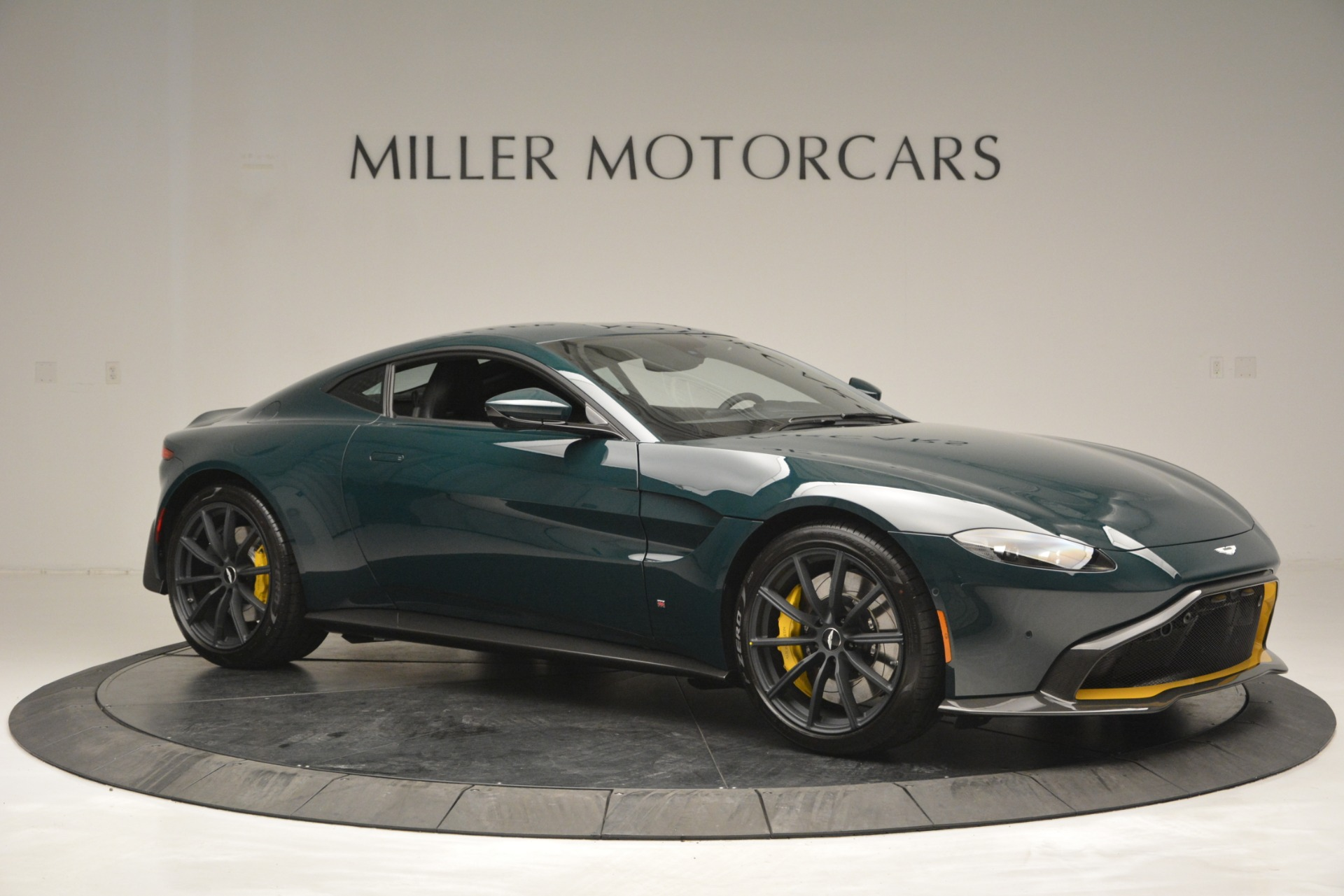 New 2019 Aston Martin Vantage Coupe For Sale In Greenwich, CT 2929_p10