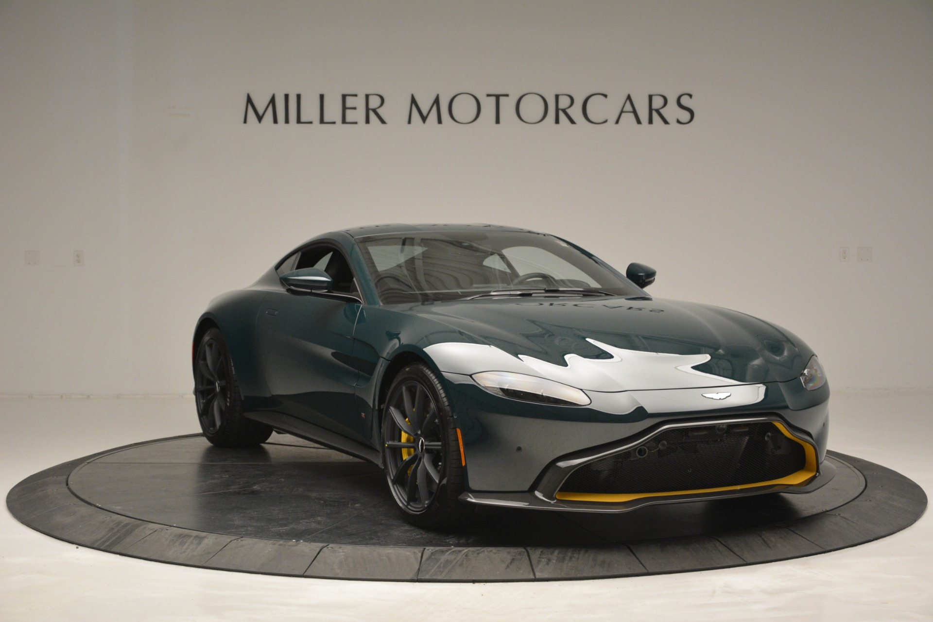New 2019 Aston Martin Vantage Coupe For Sale In Greenwich, CT 2929_p11