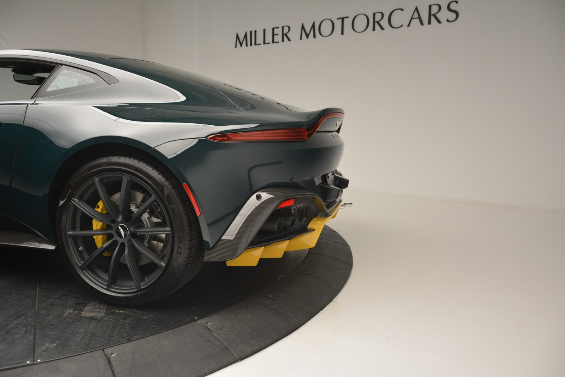 New 2019 Aston Martin Vantage Coupe For Sale In Greenwich, CT 2929_p17