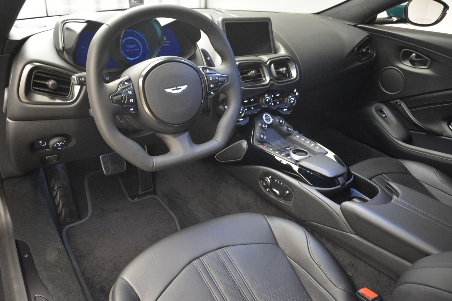 Used 2019 Aston Martin Vantage Coupe For Sale In Greenwich, CT 2929_p21