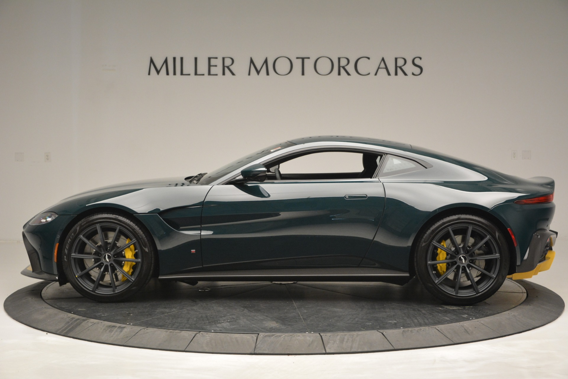 New 2019 Aston Martin Vantage Coupe For Sale In Greenwich, CT 2929_p3