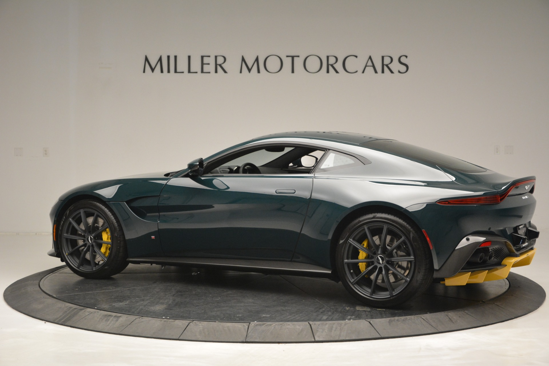 Used 2019 Aston Martin Vantage Coupe For Sale In Greenwich, CT 2929_p4