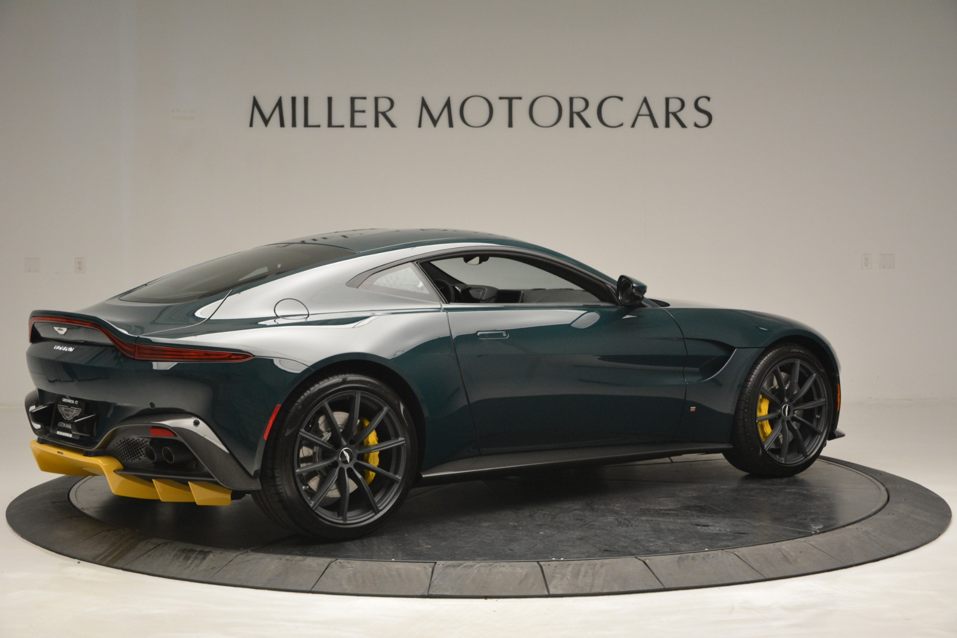 New 2019 Aston Martin Vantage Coupe For Sale In Greenwich, CT 2929_p8