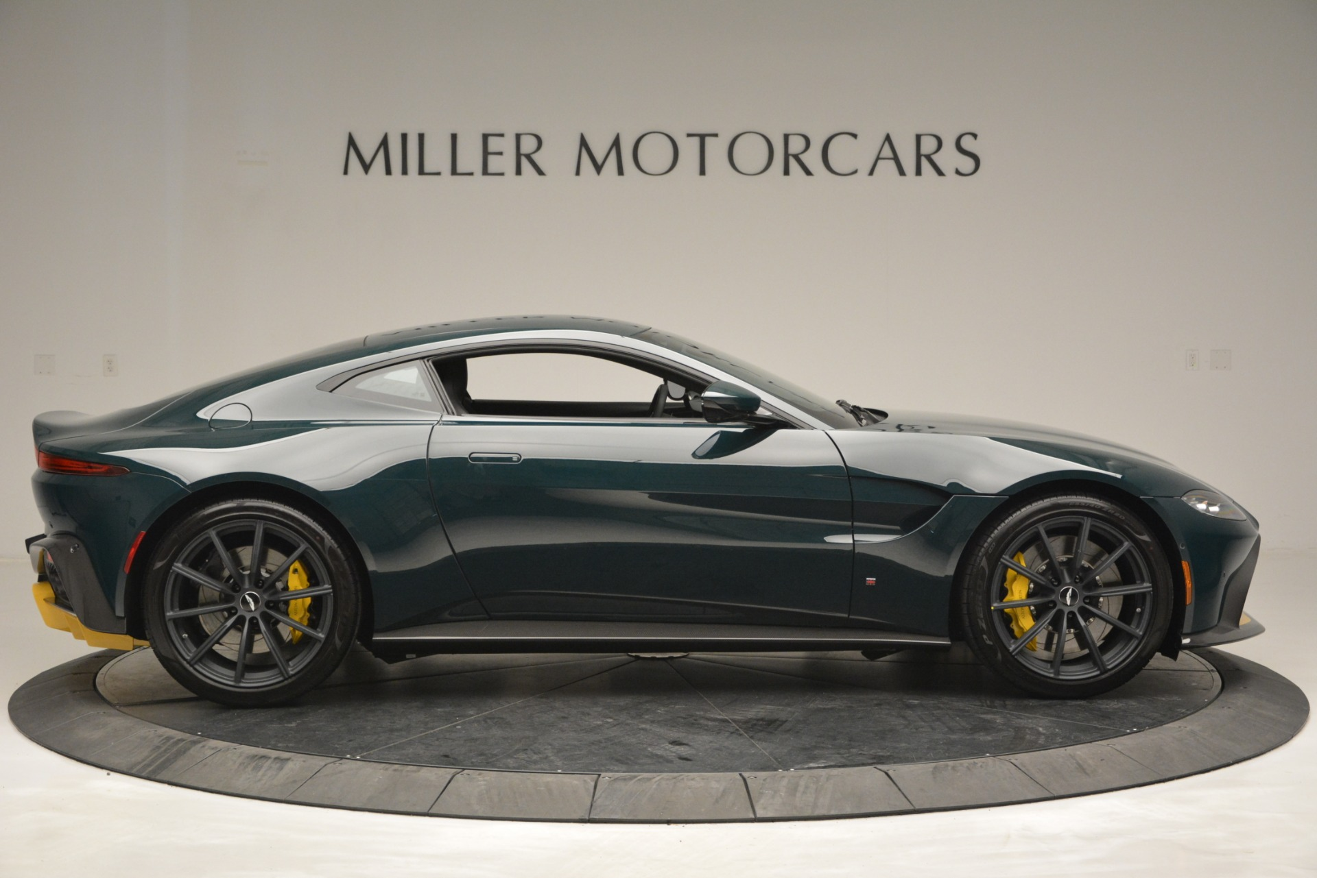 New 2019 Aston Martin Vantage Coupe For Sale In Greenwich, CT 2929_p9