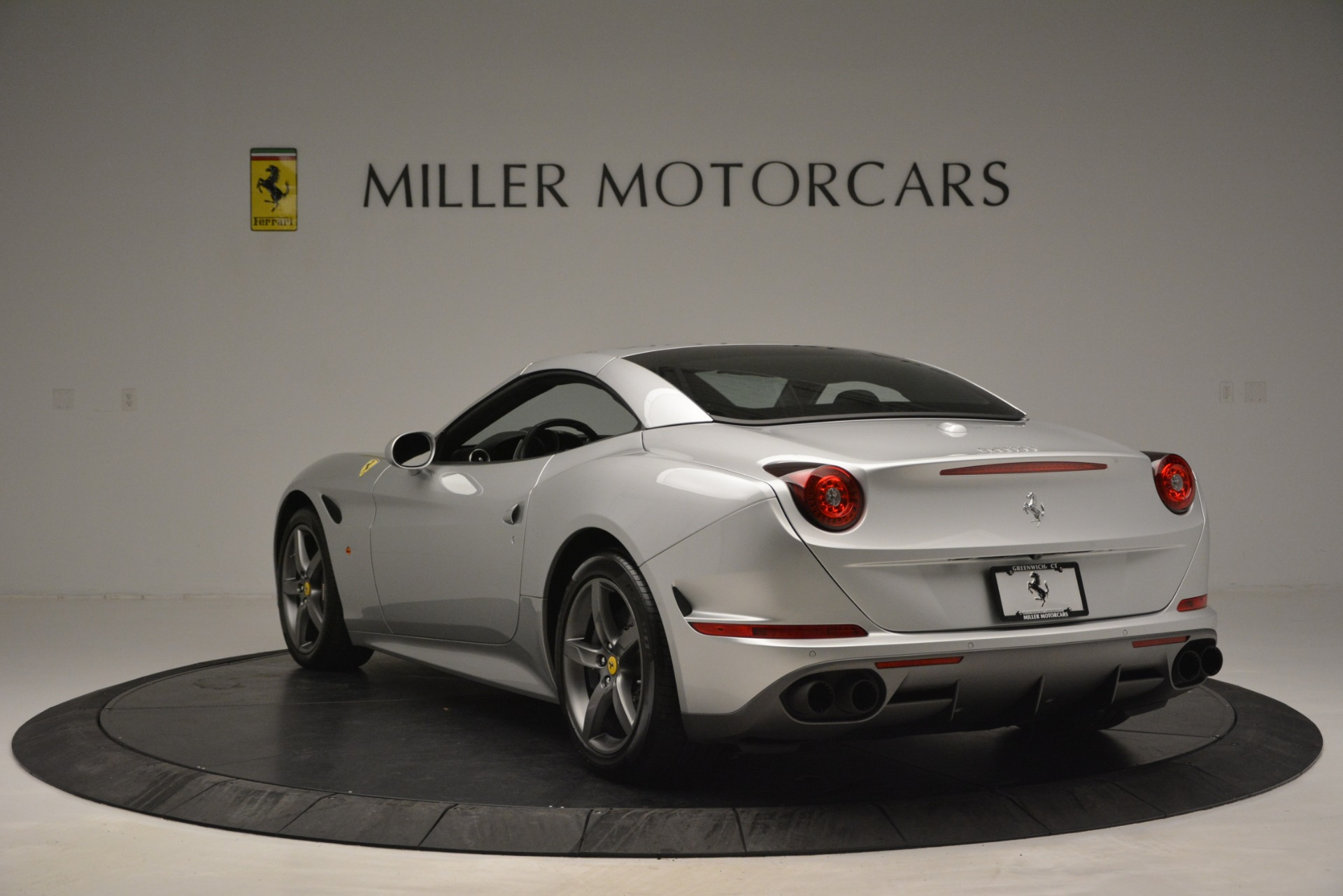 Used 2017 Ferrari California T Handling Speciale For Sale In Greenwich, CT 2931_p17