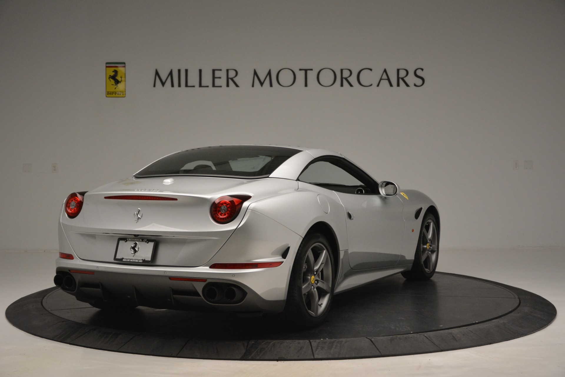 Used 2017 Ferrari California T Handling Speciale For Sale In Greenwich, CT 2931_p19