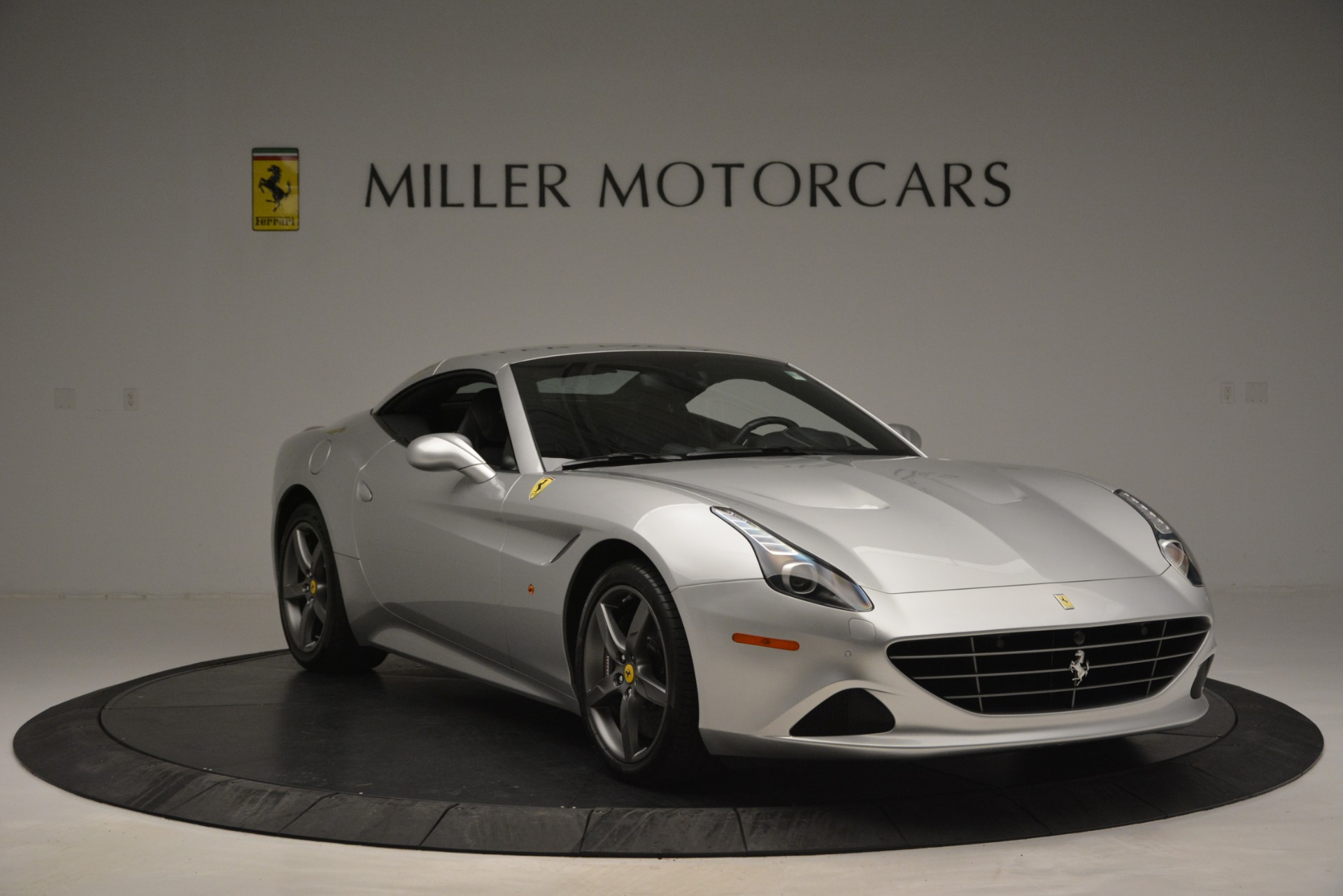 Used 2017 Ferrari California T Handling Speciale For Sale In Greenwich, CT 2931_p23
