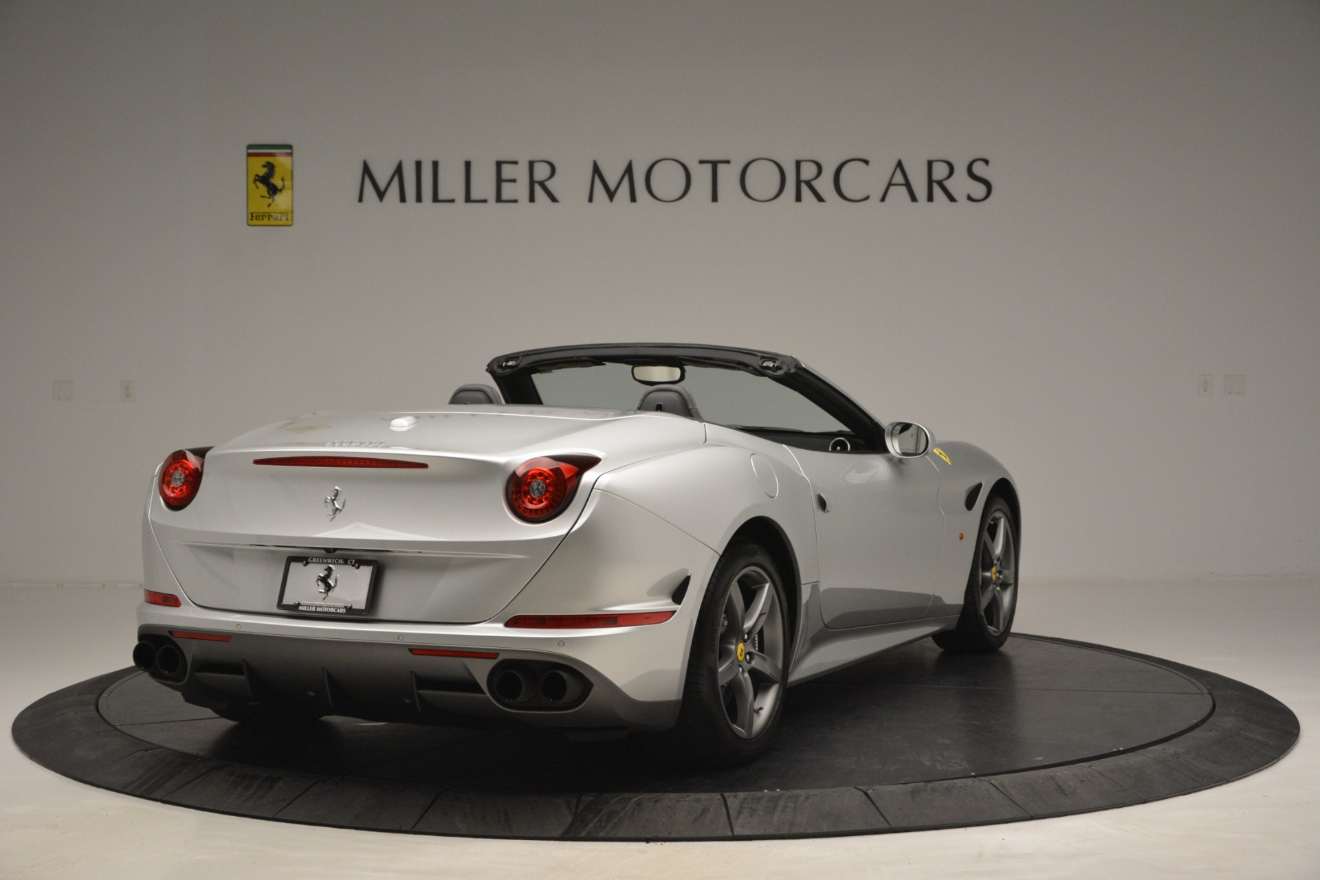 Used 2017 Ferrari California T Handling Speciale For Sale In Greenwich, CT 2931_p7