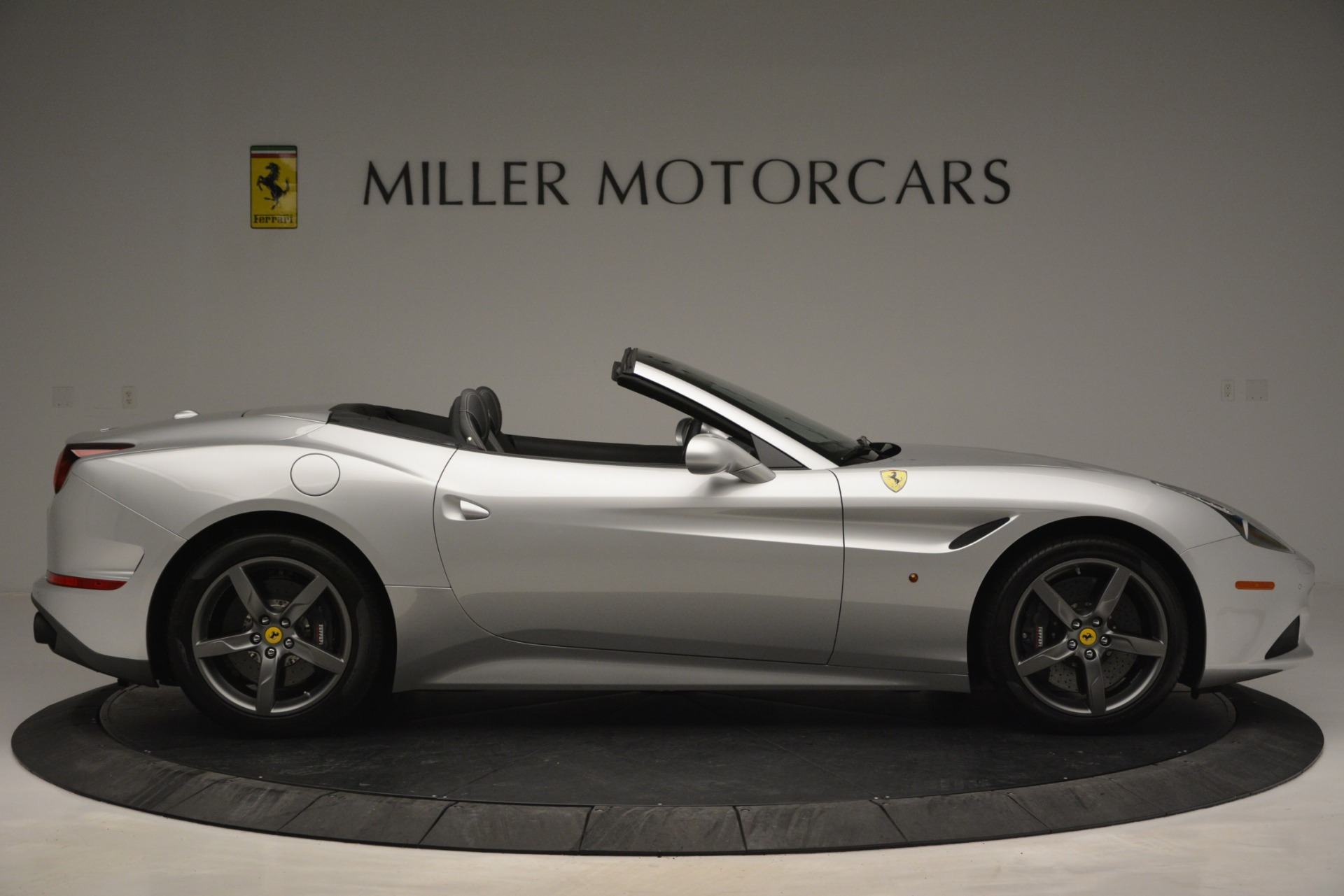 Used 2017 Ferrari California T Handling Speciale For Sale In Greenwich, CT 2931_p9