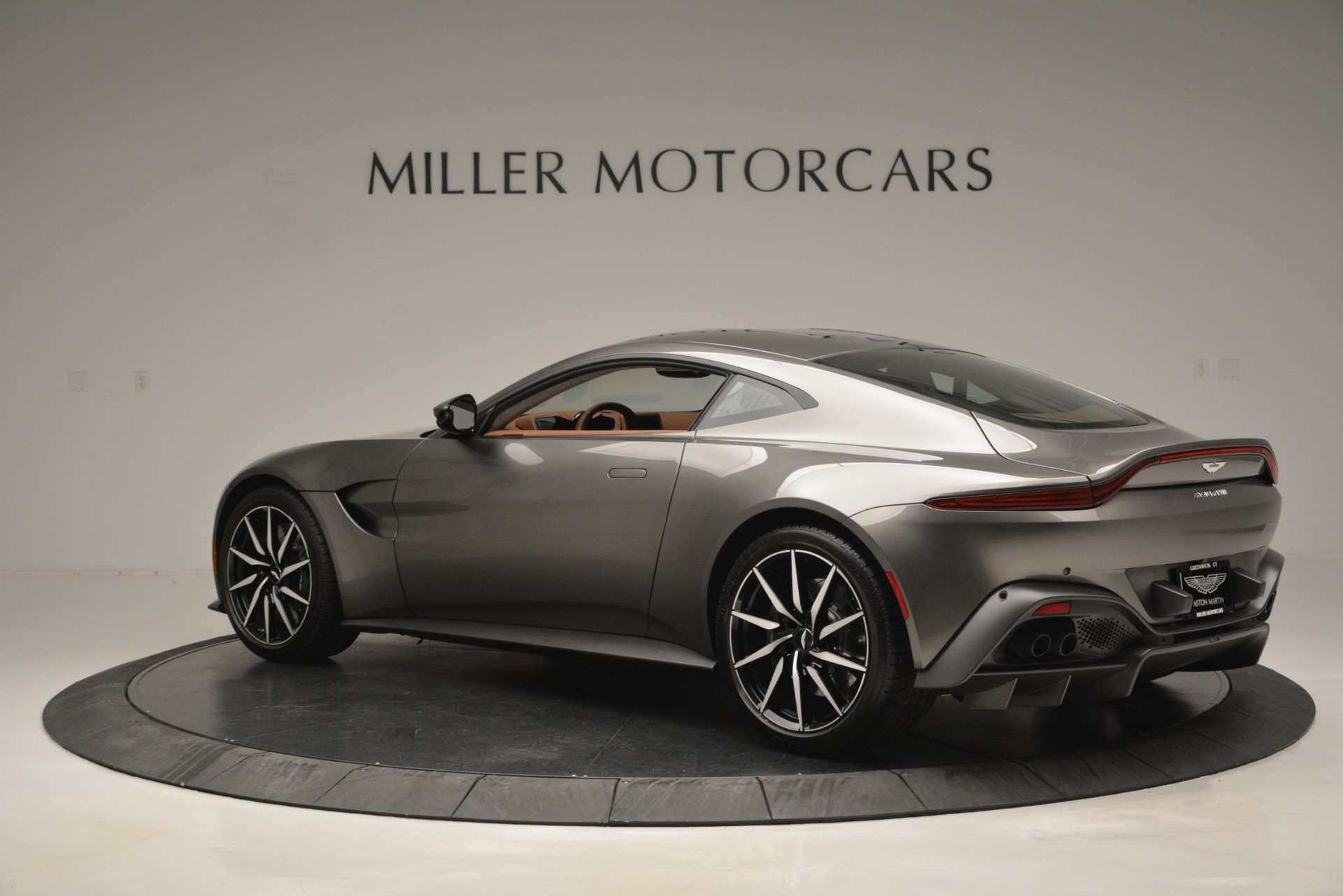 Used 2019 Aston Martin Vantage  For Sale In Greenwich, CT 2932_p3