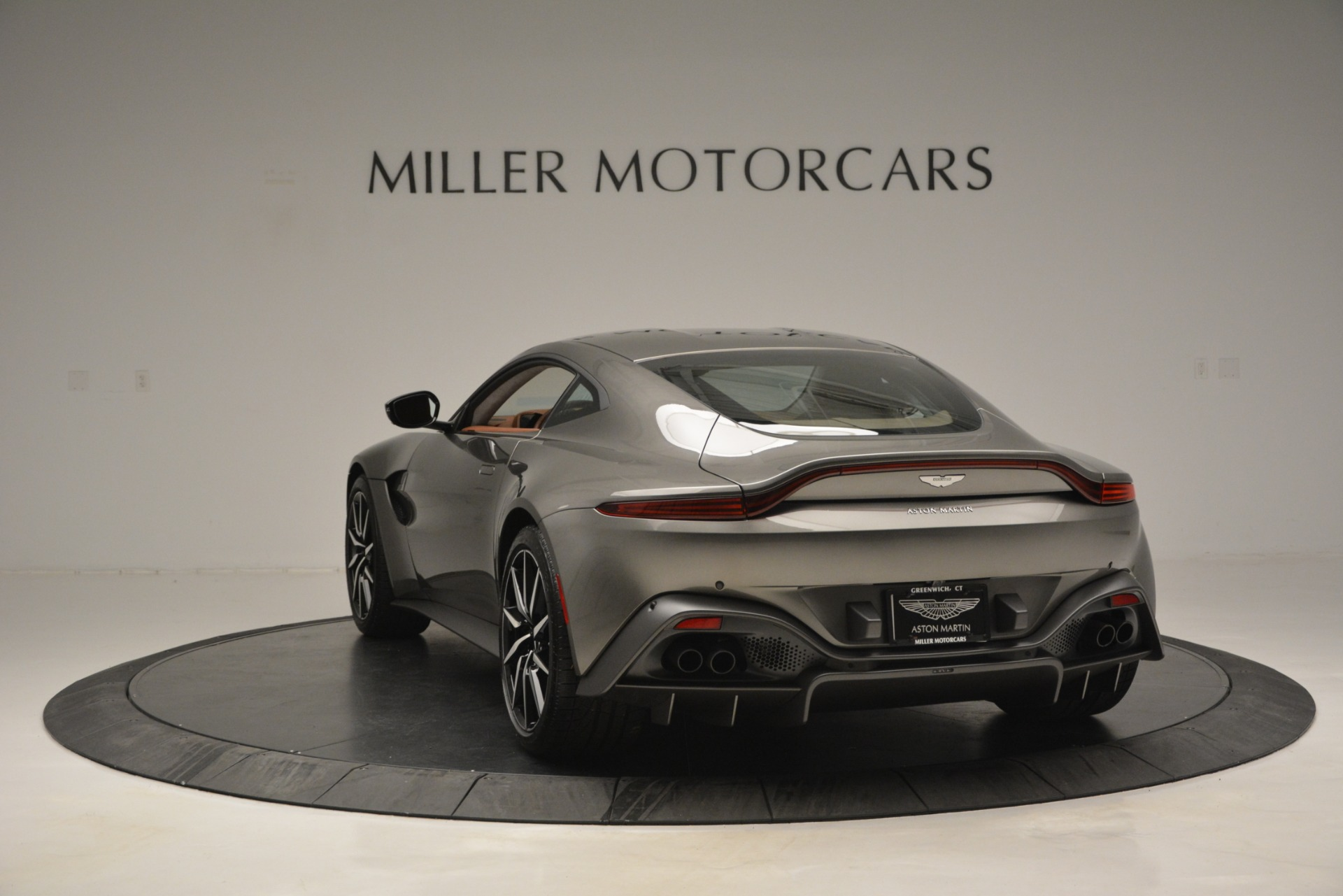 Used 2019 Aston Martin Vantage  For Sale In Greenwich, CT 2932_p4