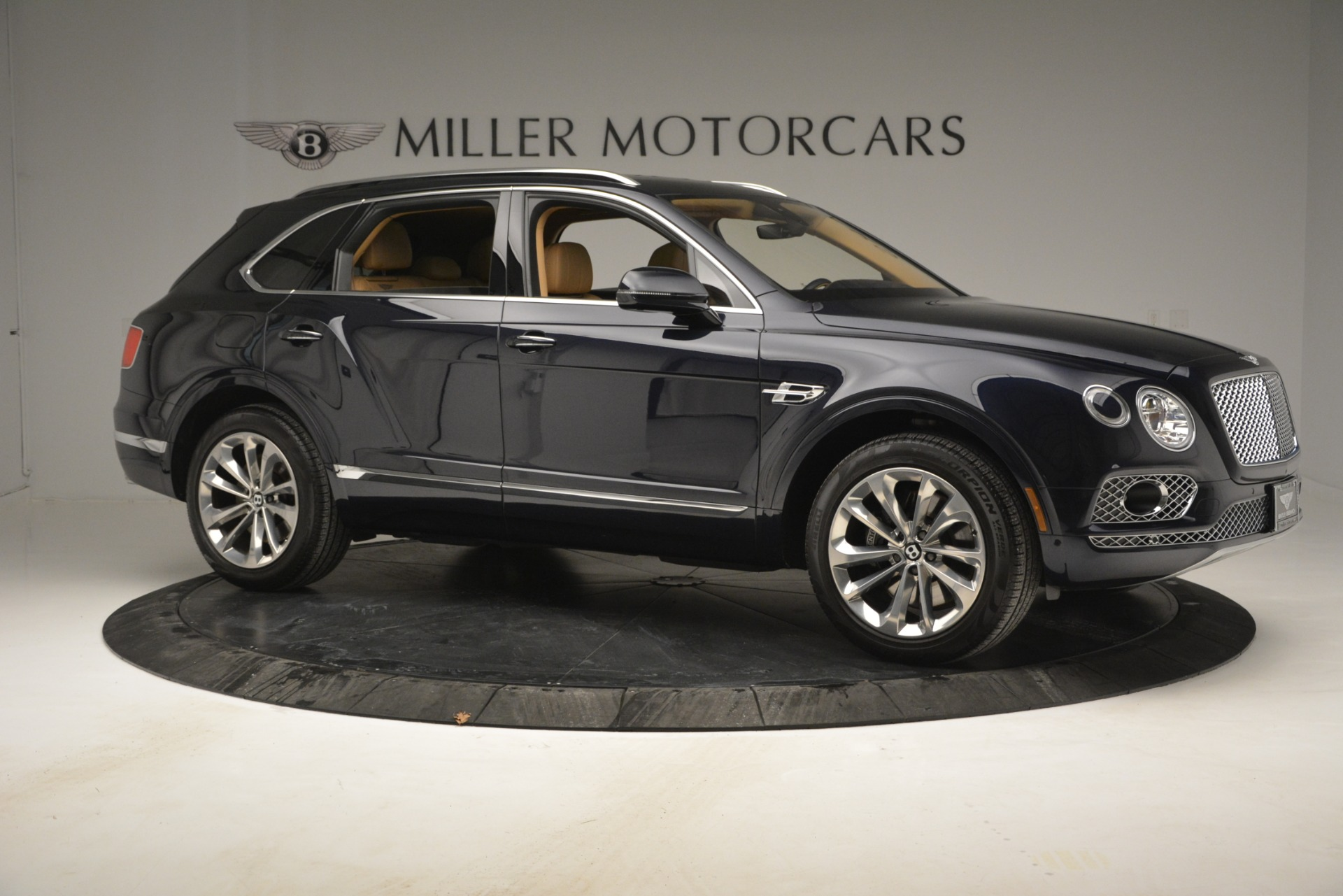 Used 2017 Bentley Bentayga W12 For Sale In Greenwich, CT 2934_p10