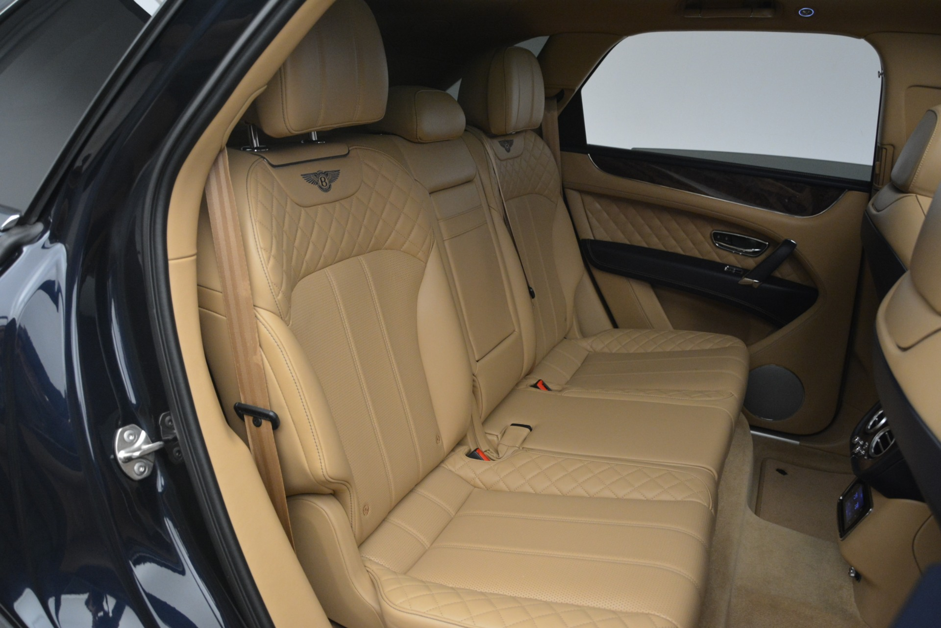 Used 2017 Bentley Bentayga W12 For Sale In Greenwich, CT 2934_p29