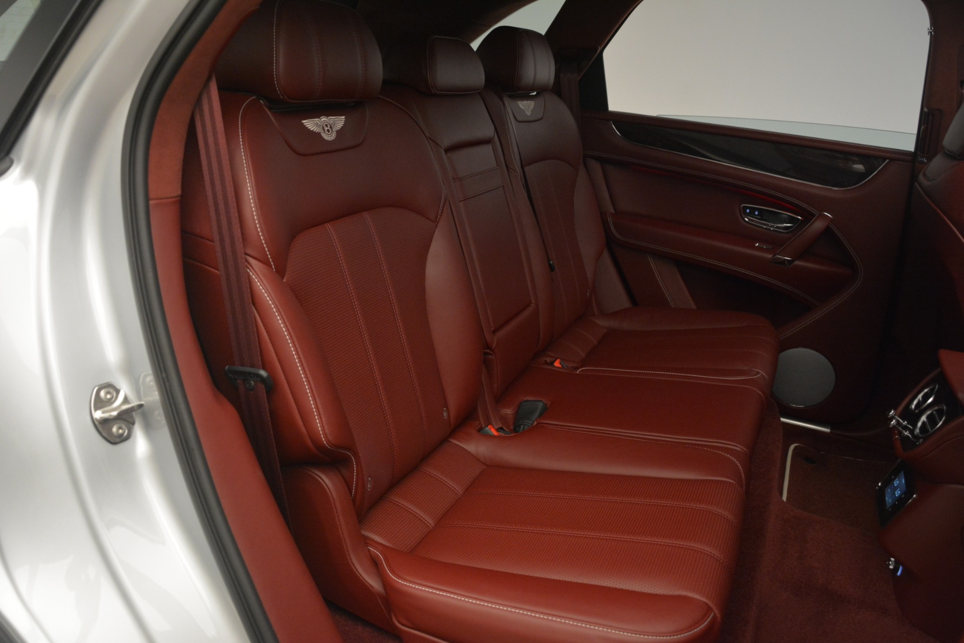 New 2019 Bentley Bentayga V8 For Sale In Greenwich, CT 2935_p26