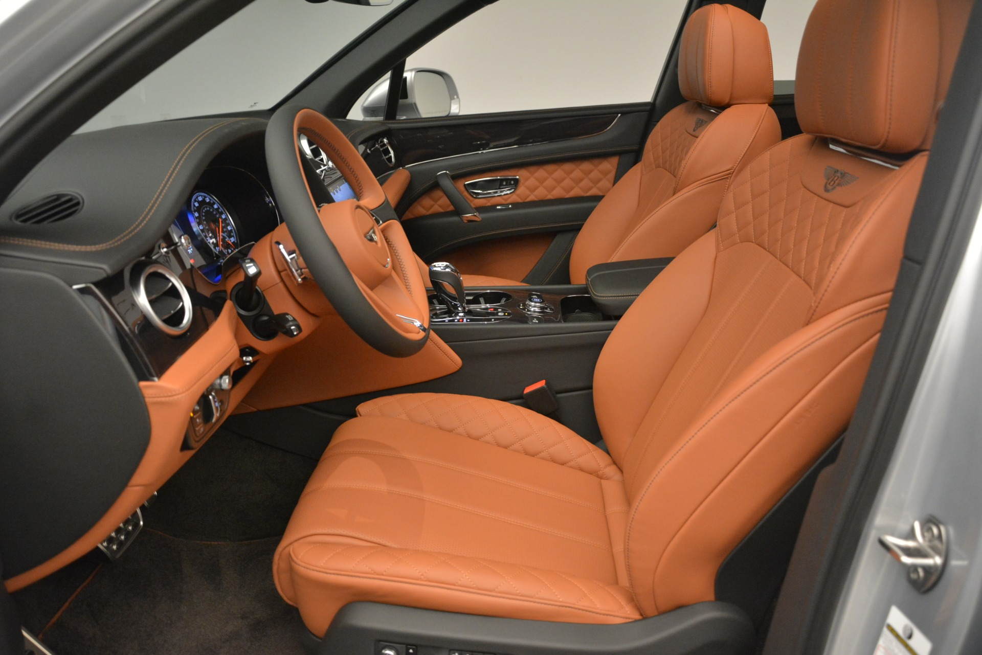 New 2019 Bentley Bentayga V8 For Sale In Greenwich, CT 2936_p18