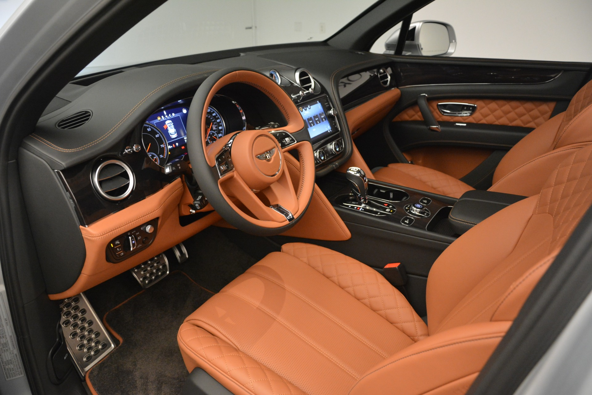New 2019 Bentley Bentayga V8 For Sale In Greenwich, CT 2936_p19