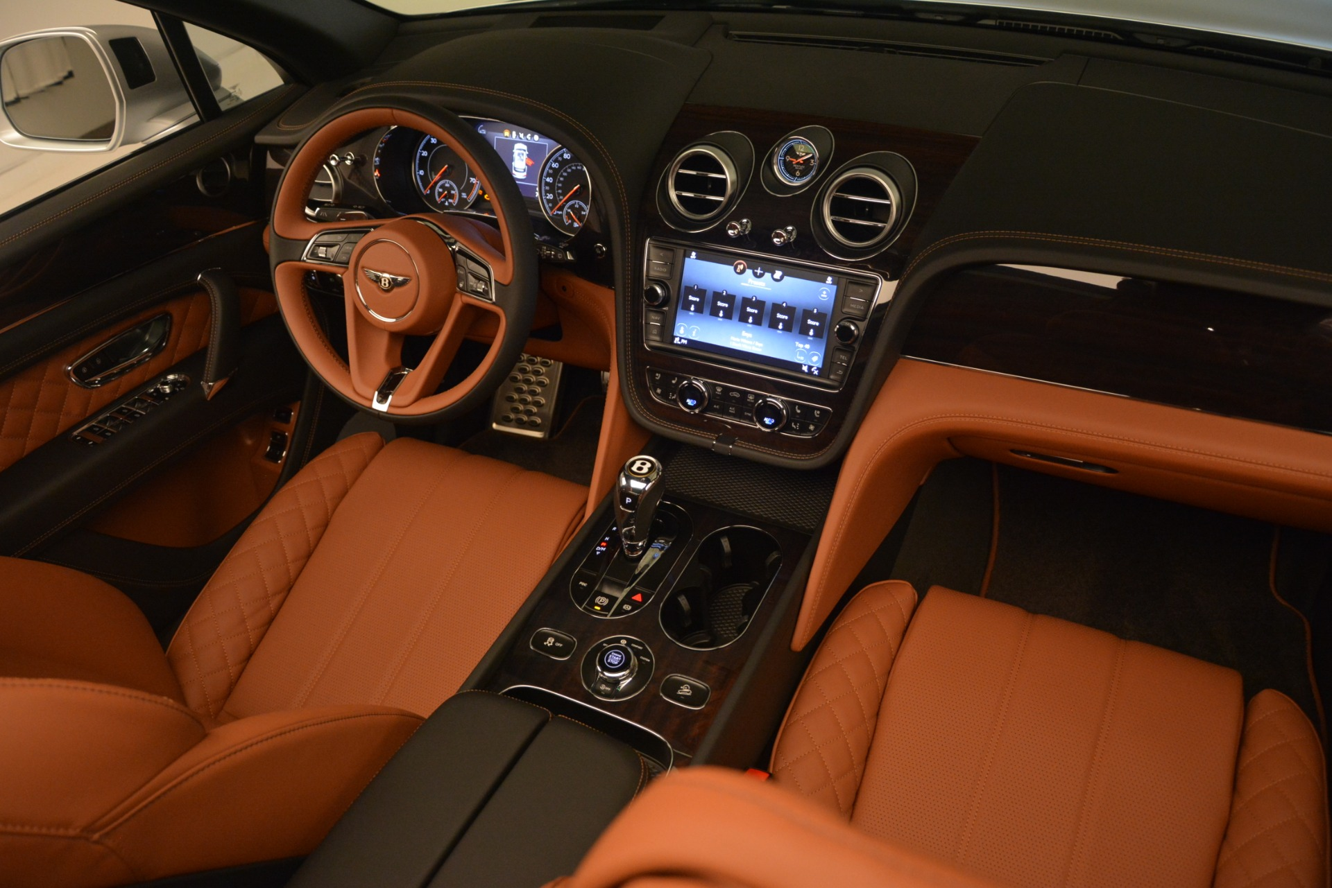New 2019 Bentley Bentayga V8 For Sale In Greenwich, CT 2936_p21