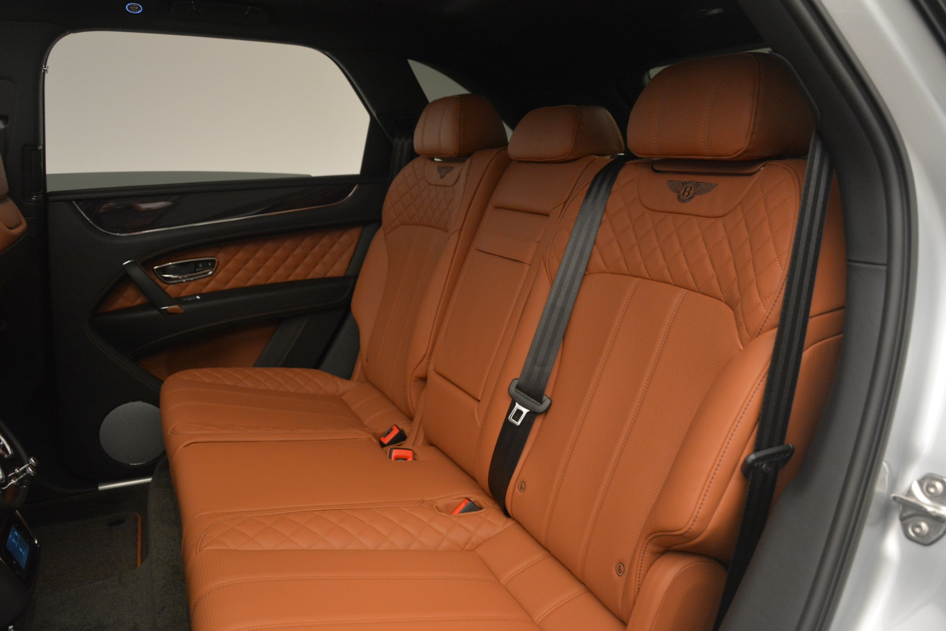 New 2019 Bentley Bentayga V8 For Sale In Greenwich, CT 2936_p27