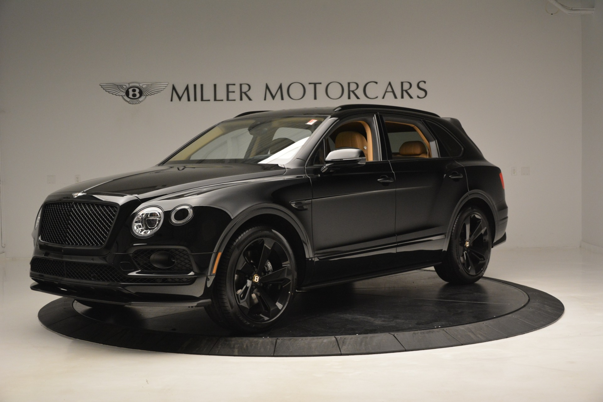 New 2019 Bentley Bentayga V8 For Sale In Greenwich, CT 2939_main
