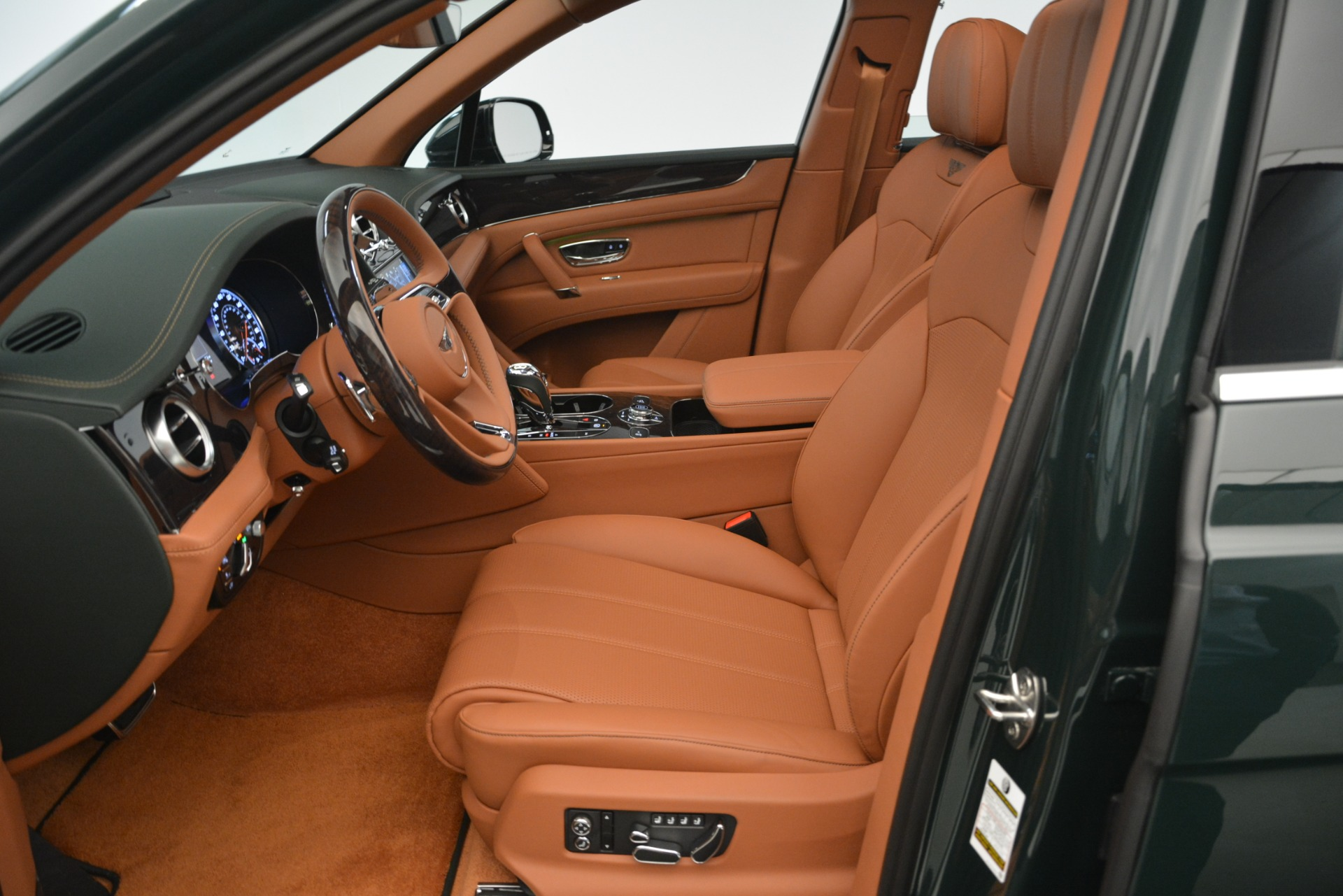 New 2019 Bentley Bentayga V8 For Sale In Greenwich, CT 2940_p16