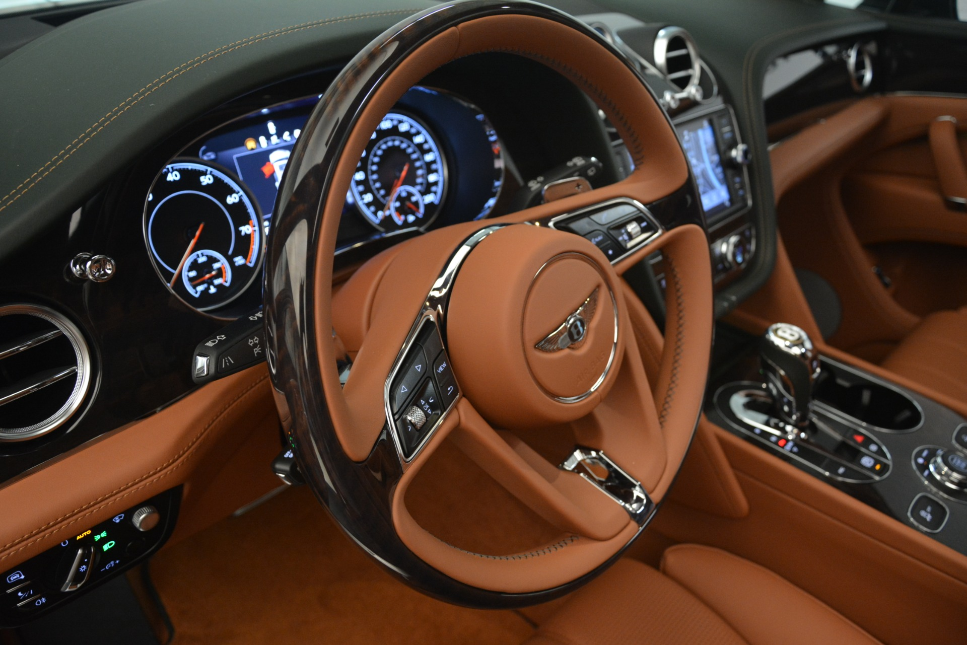 New 2019 Bentley Bentayga V8 For Sale In Greenwich, CT 2940_p19