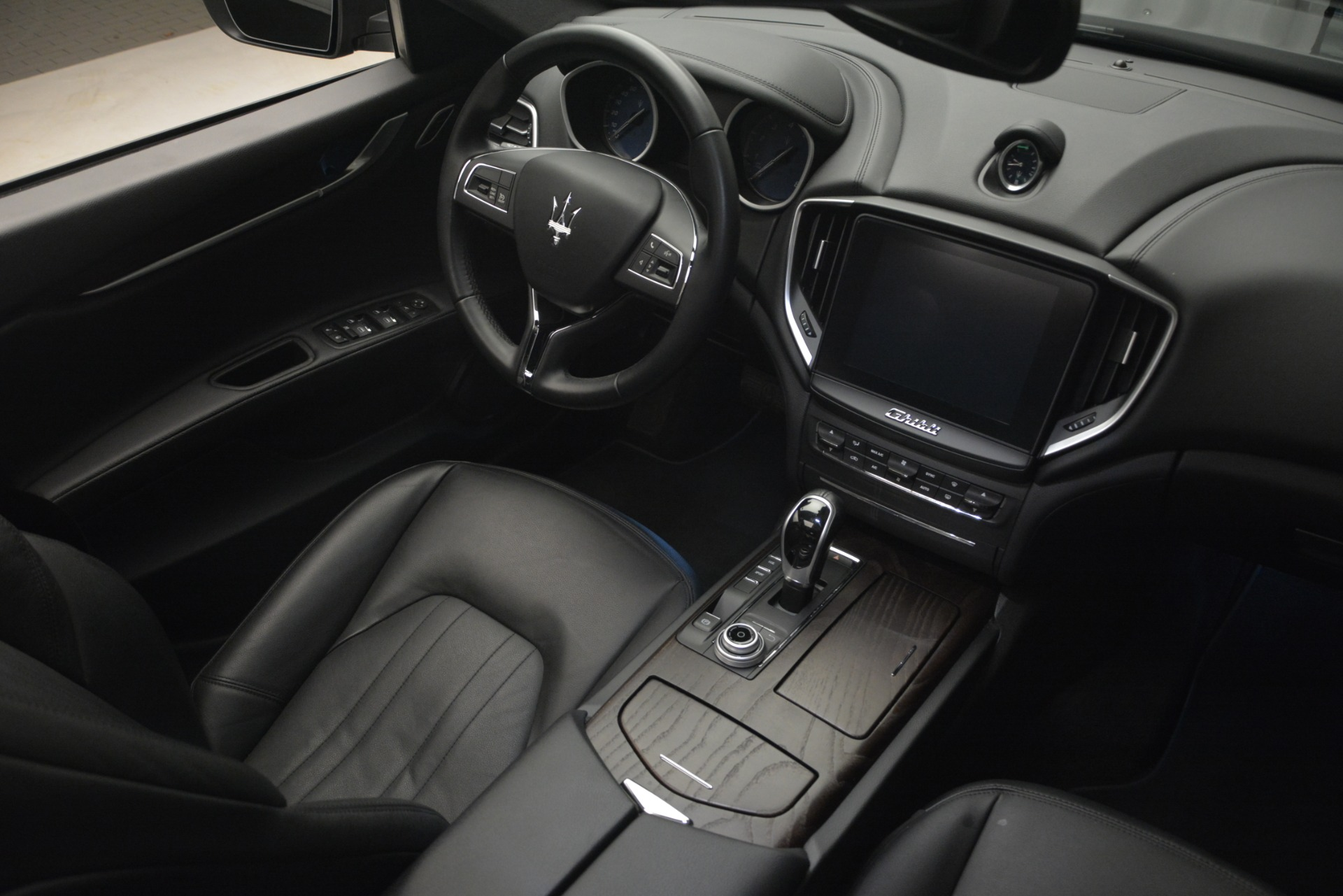 Used 2018 Maserati Ghibli S Q4 For Sale In Greenwich, CT 2944_p19