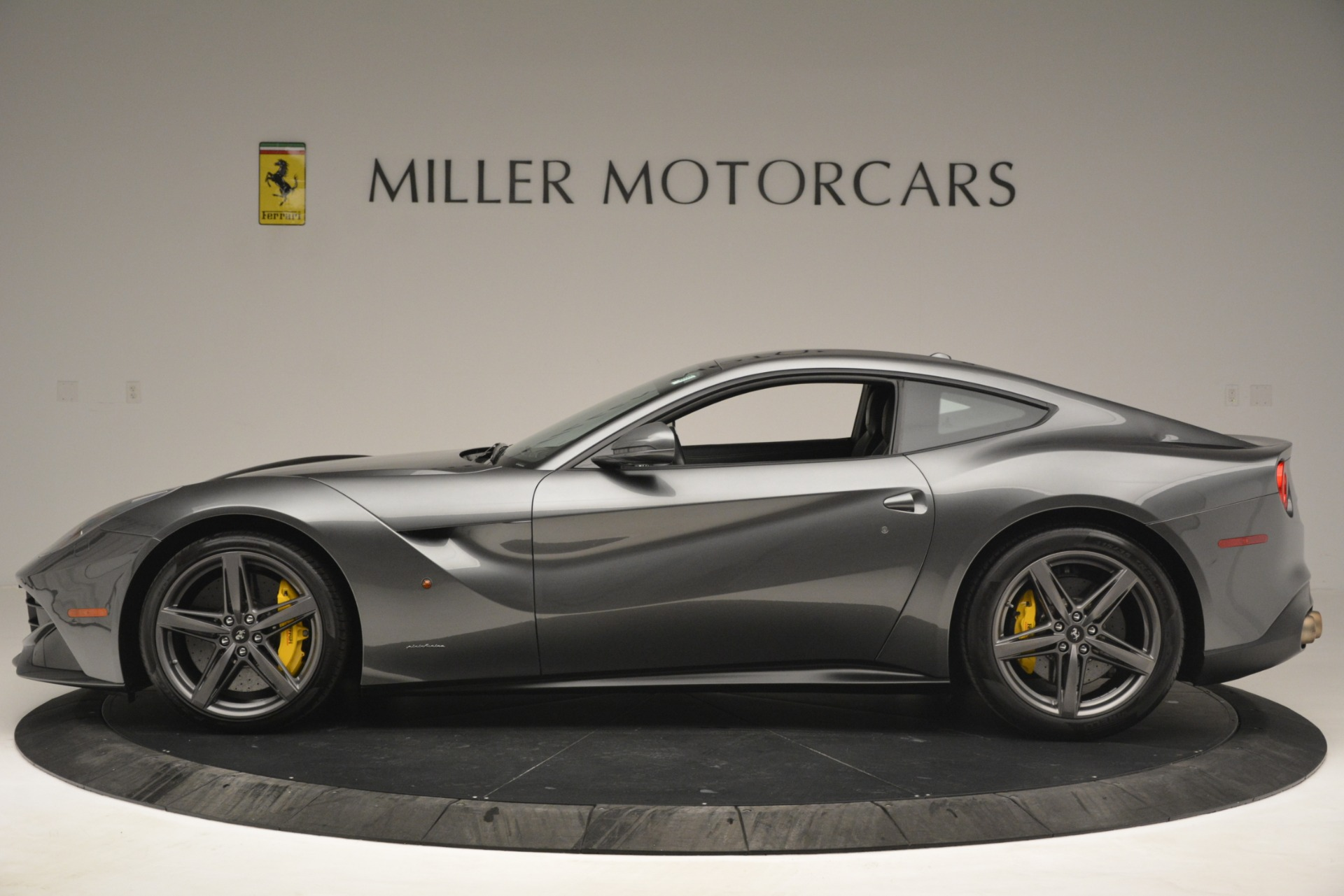 Used 2016 Ferrari F12 Berlinetta  For Sale In Greenwich, CT 2946_p3