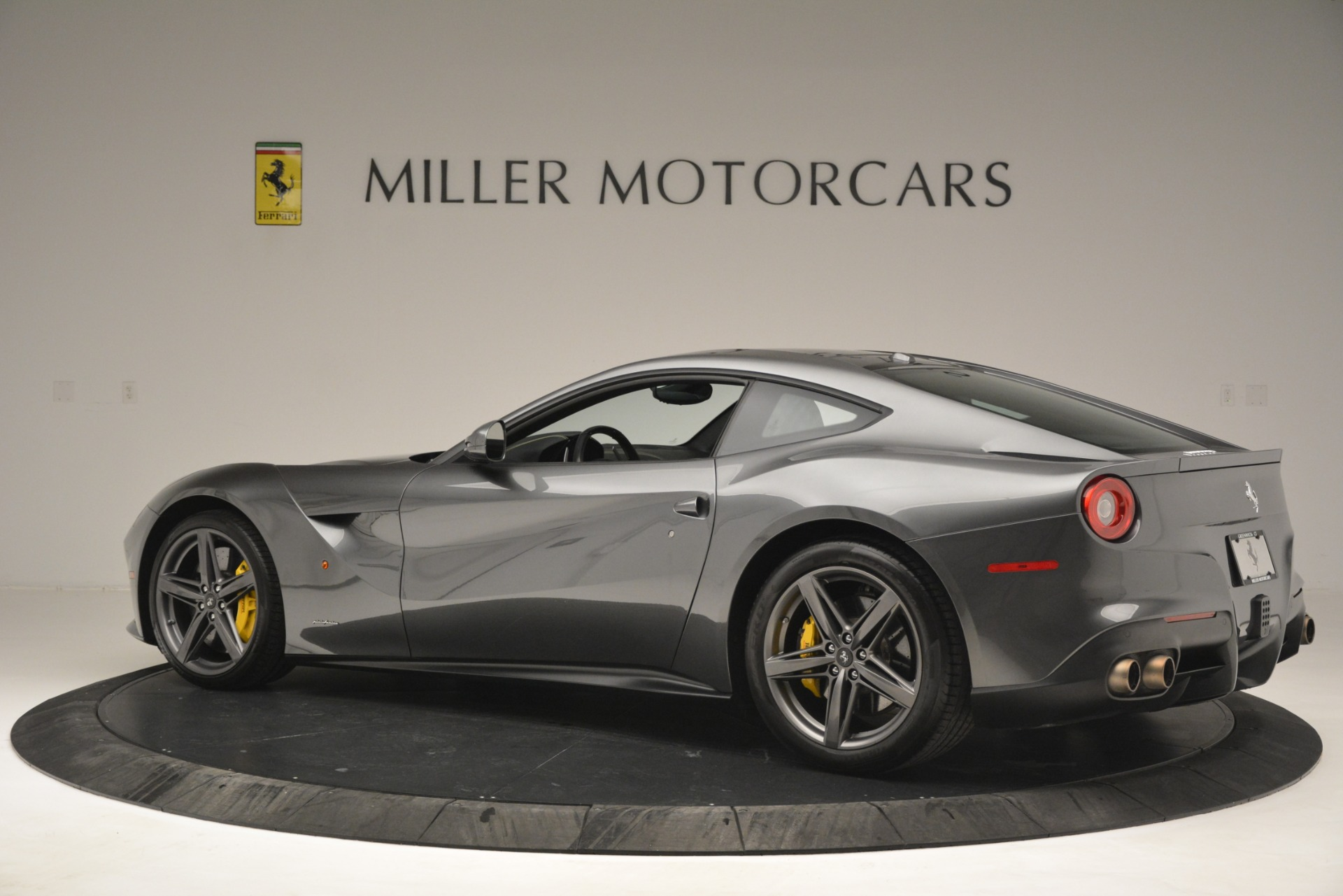 Used 2016 Ferrari F12 Berlinetta  For Sale In Greenwich, CT 2946_p4