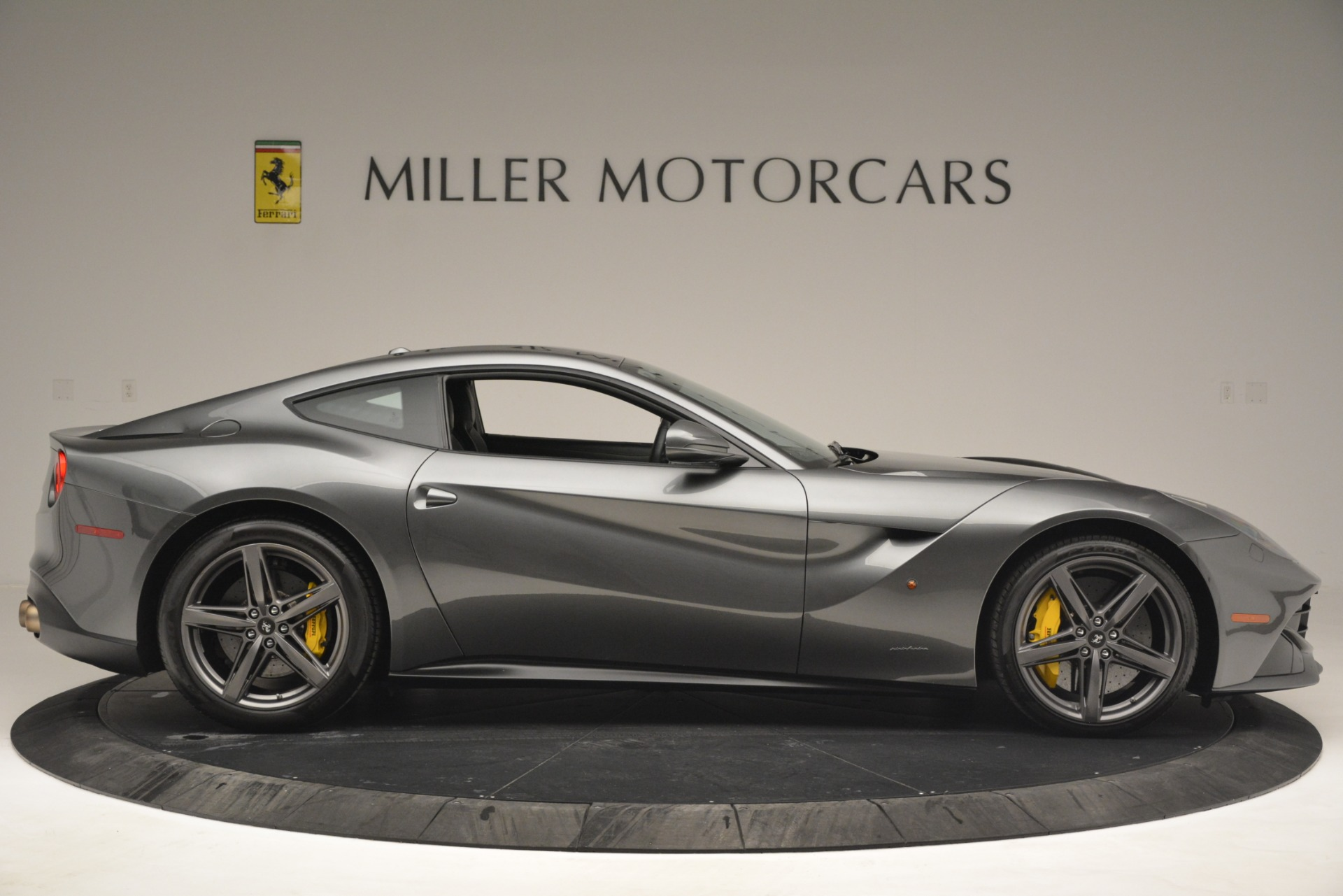 Used 2016 Ferrari F12 Berlinetta  For Sale In Greenwich, CT 2946_p9