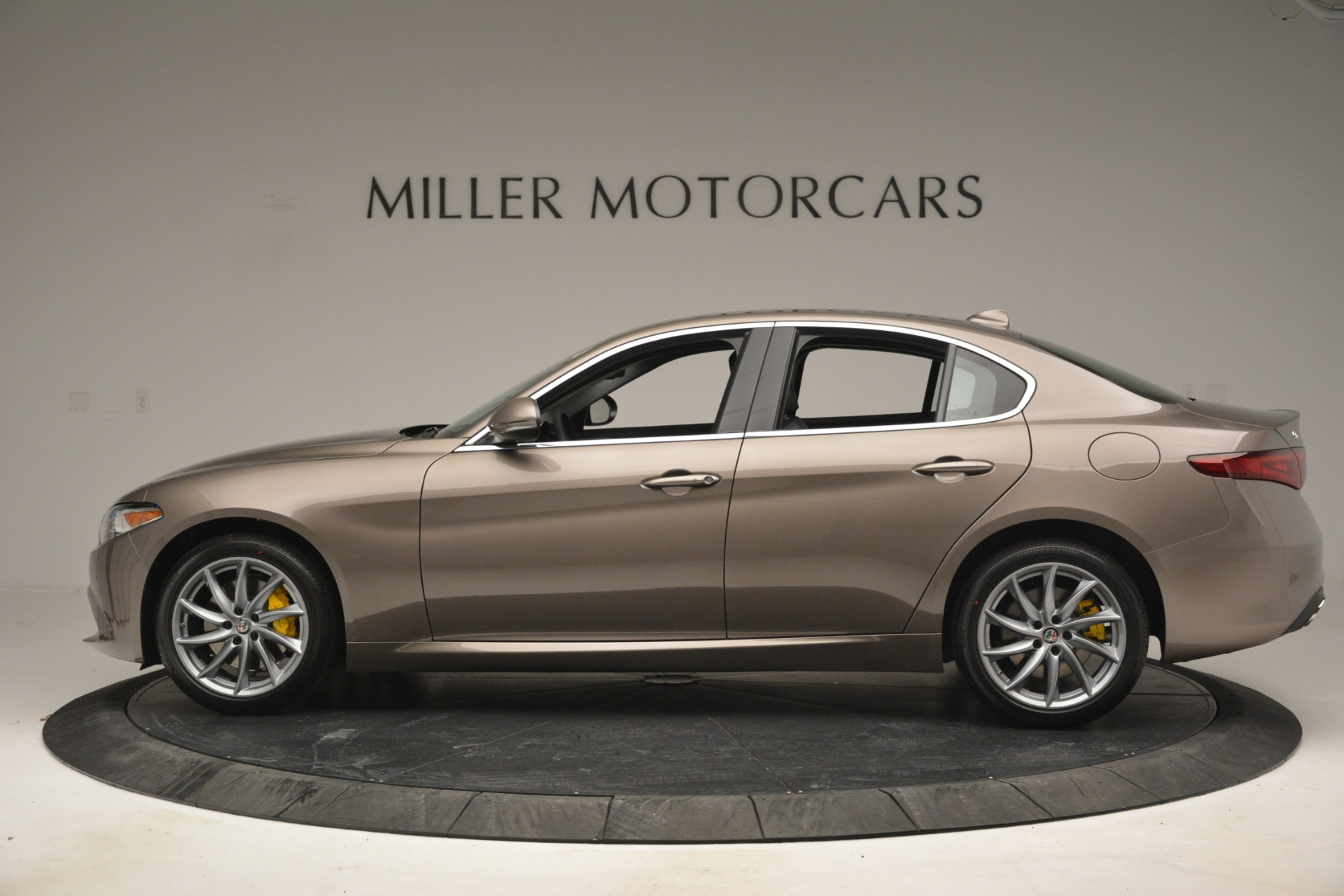 New 2019 Alfa Romeo Giulia Q4 For Sale In Greenwich, CT 2947_p4