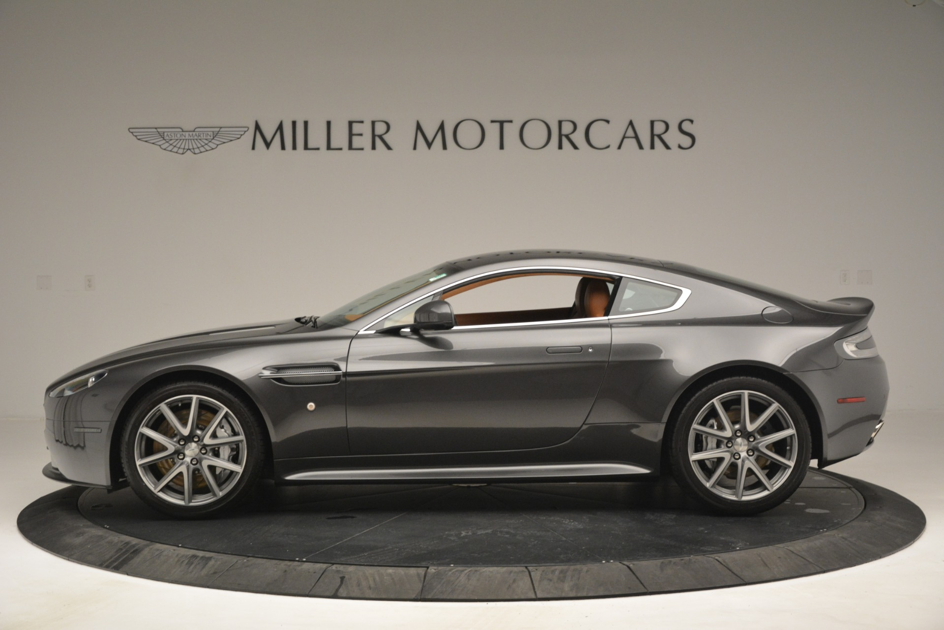 Used 2012 Aston Martin V8 Vantage S Coupe For Sale In Greenwich, CT 2951_p3